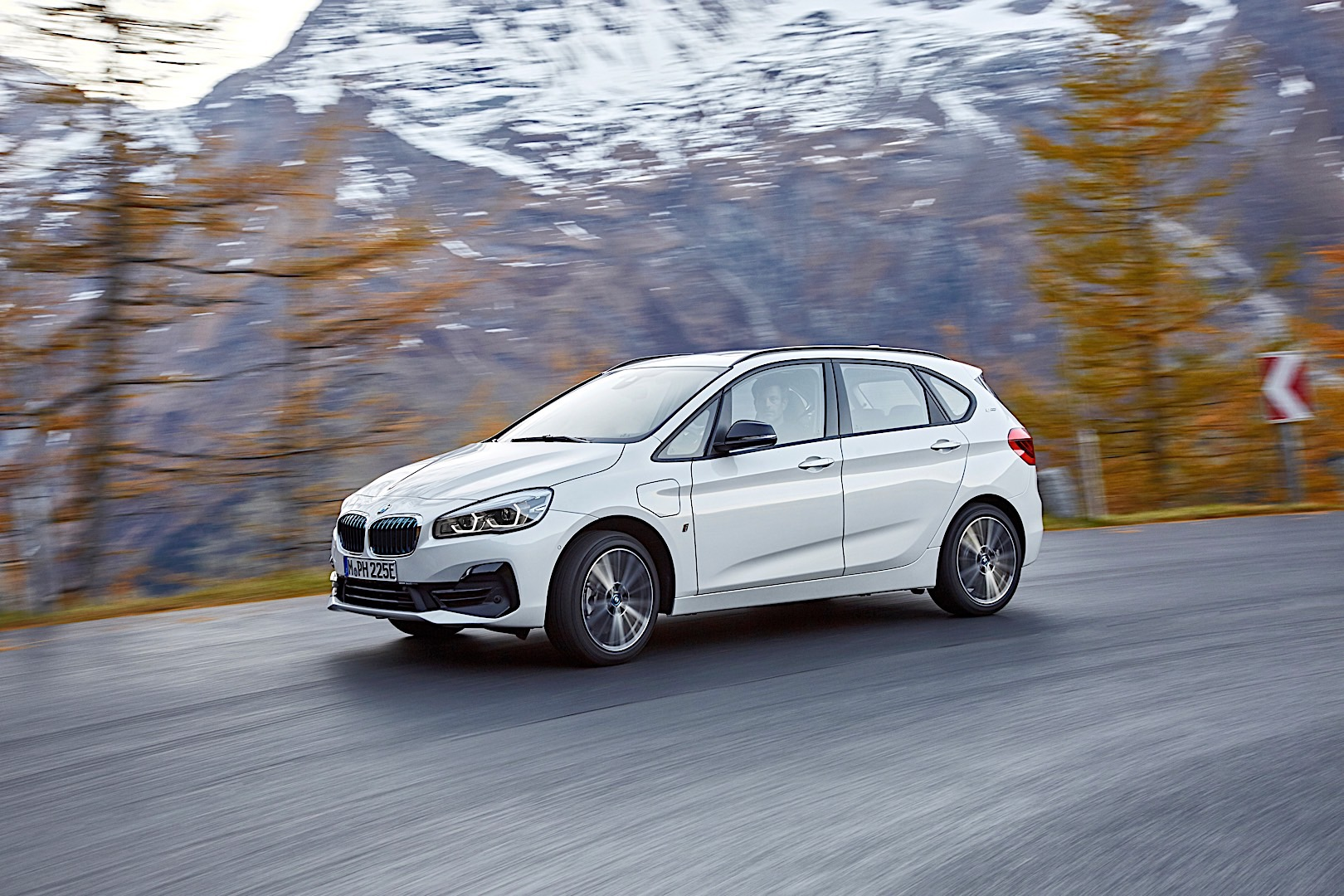 BMW 225xe iPerformance FaceliftP90288860 highRes