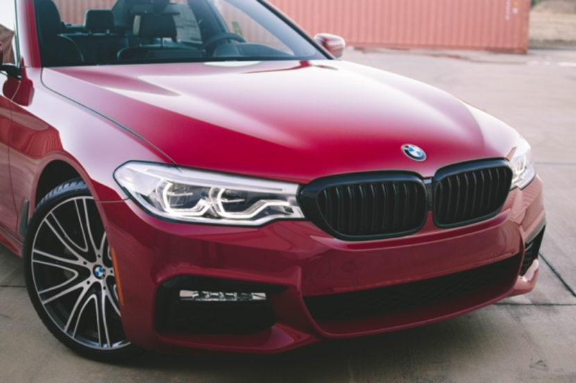 Imola Red BMW 5 Series 04 830x553