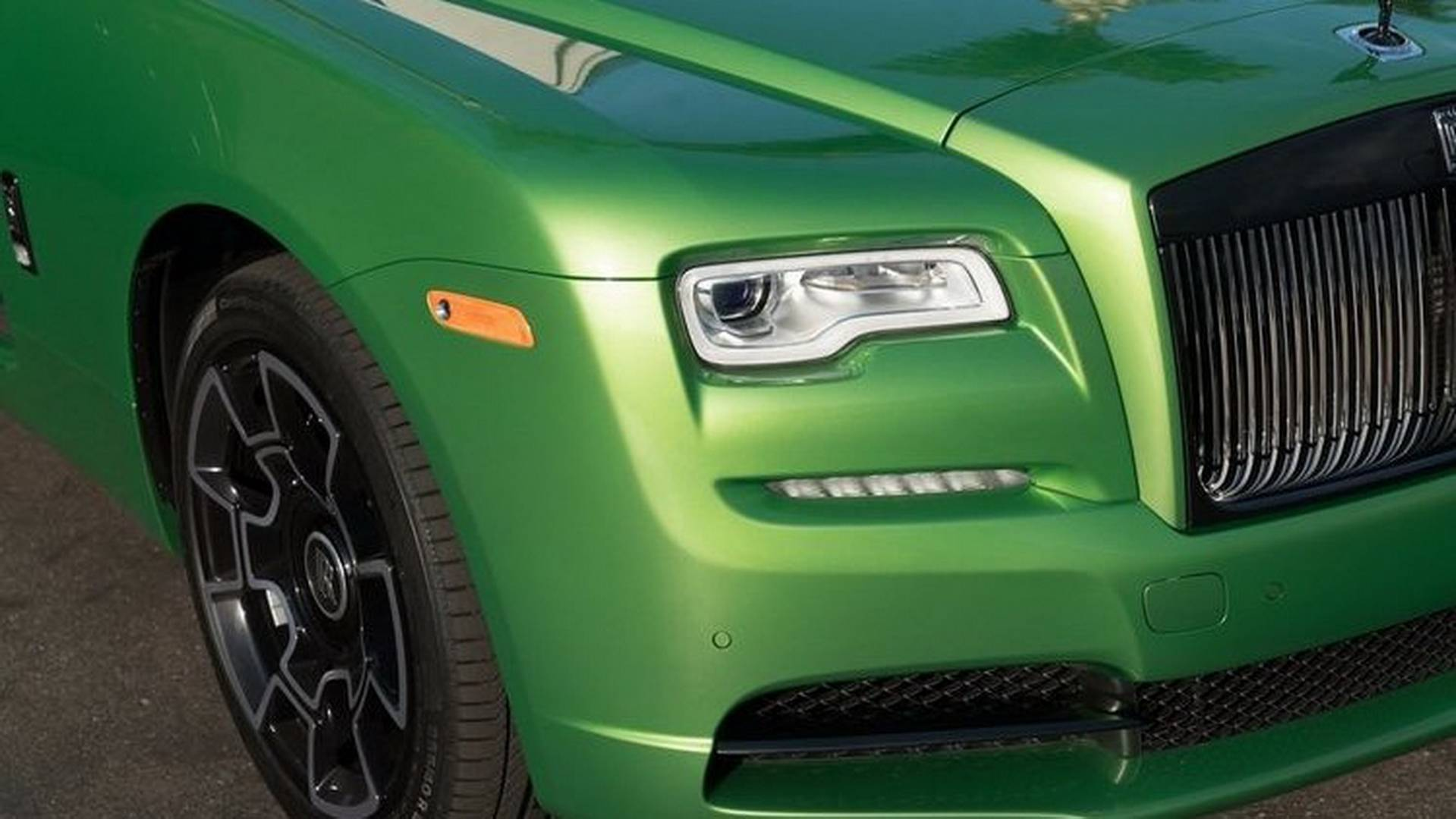 Rolls Royce Wraith Goes For The Java Green Color