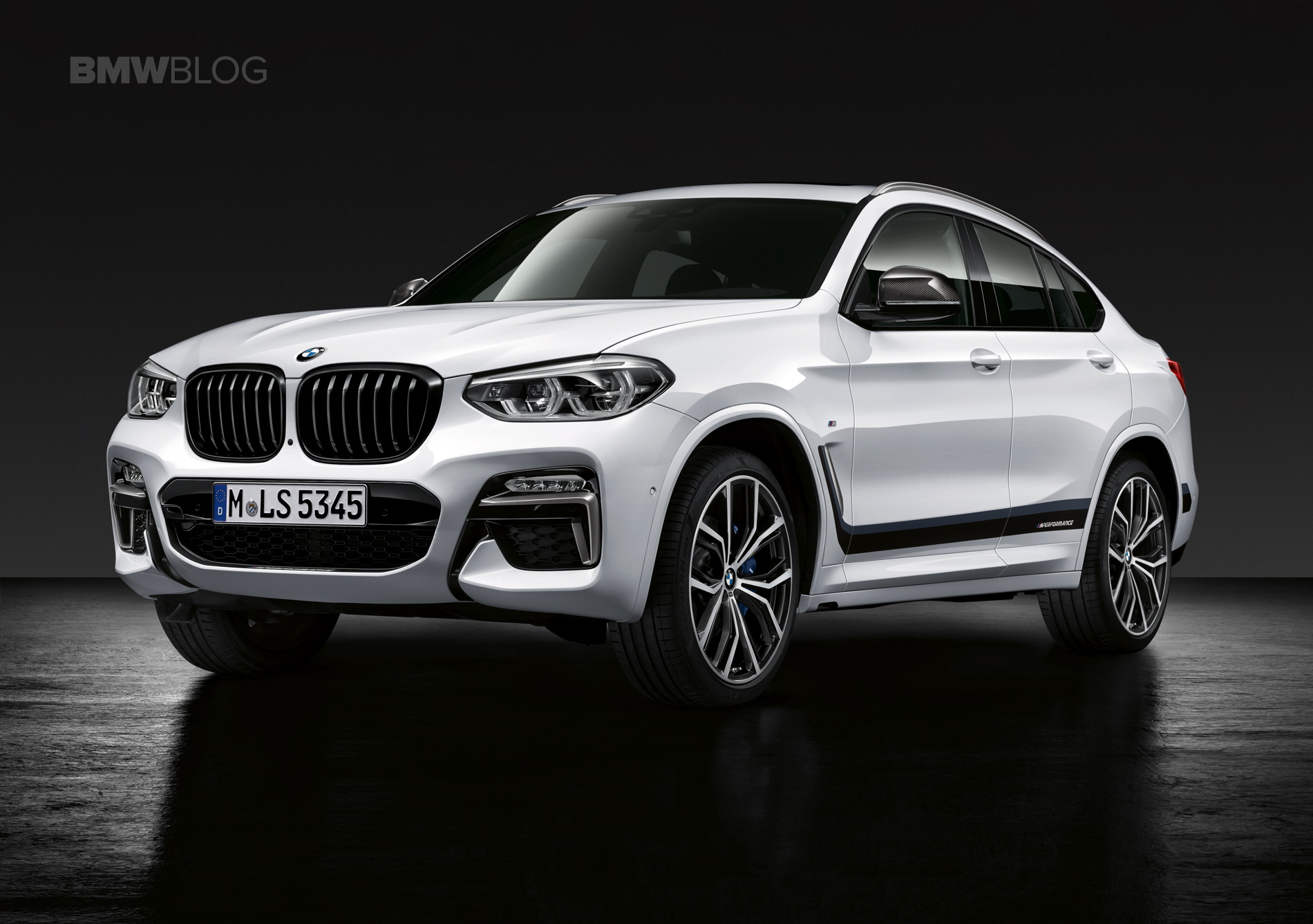 video 2019 bmw x4 m40i spotted in prototype guise at nurburgring. Black Bedroom Furniture Sets. Home Design Ideas