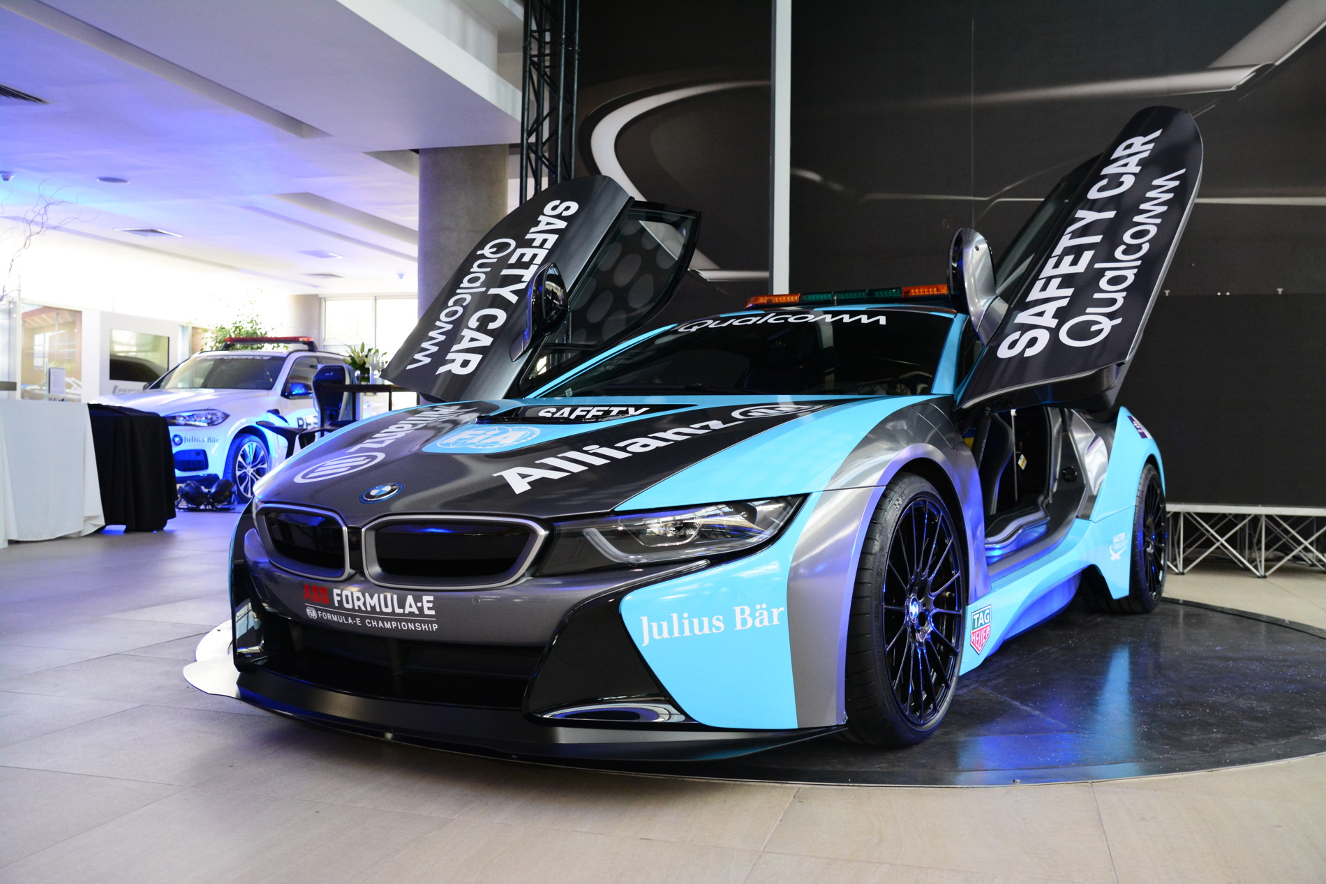 Qualcomm Safety Car BMW i8 Coupe gets a facelift 02