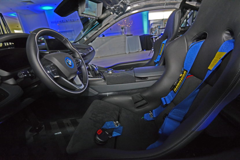 Qualcomm Safety Car BMW i8 Coupe gets a facelift 04 830x553