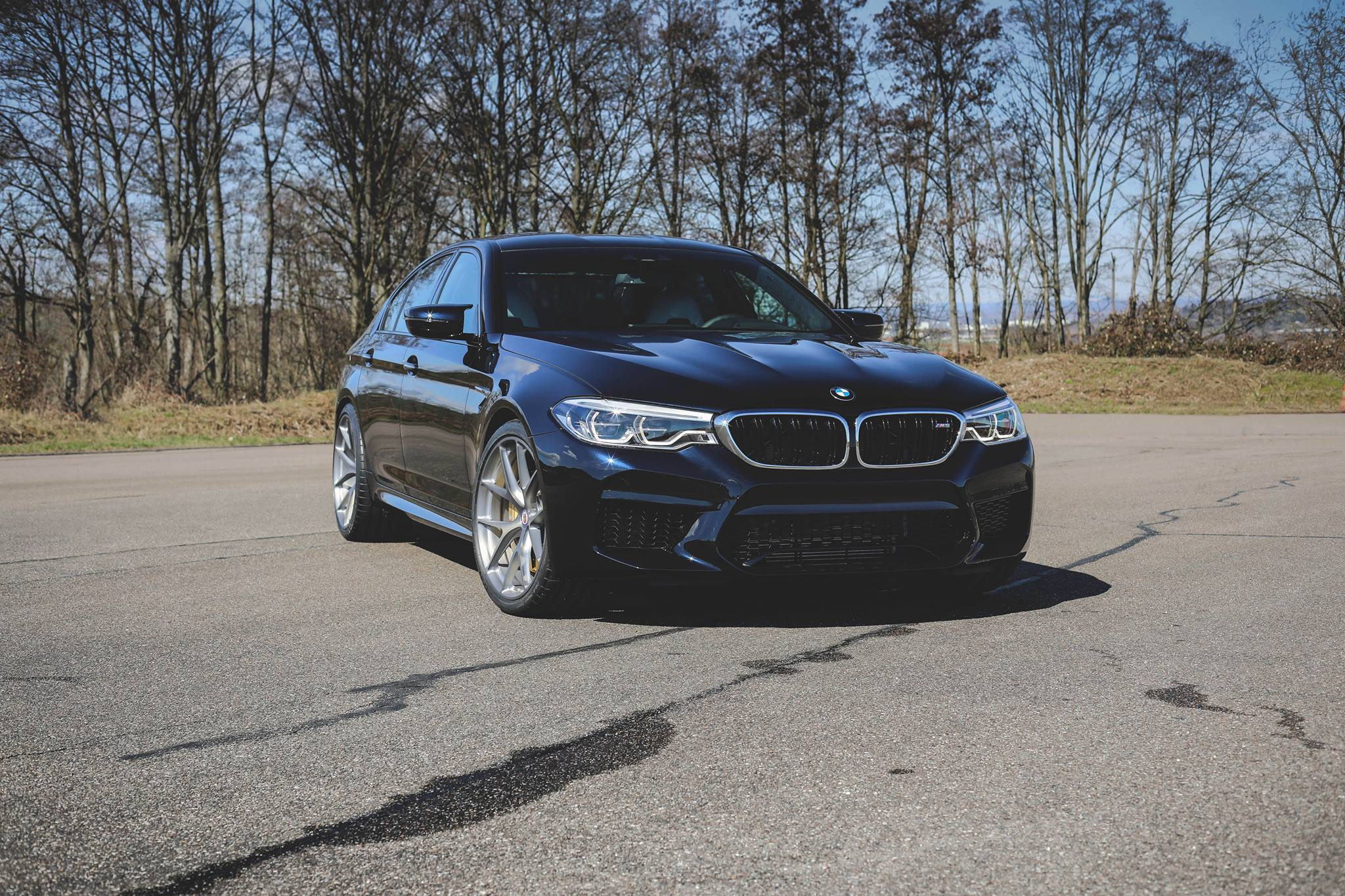 BMW F90 M5 on HRE P101 Wheels in Brushed Titanium 1