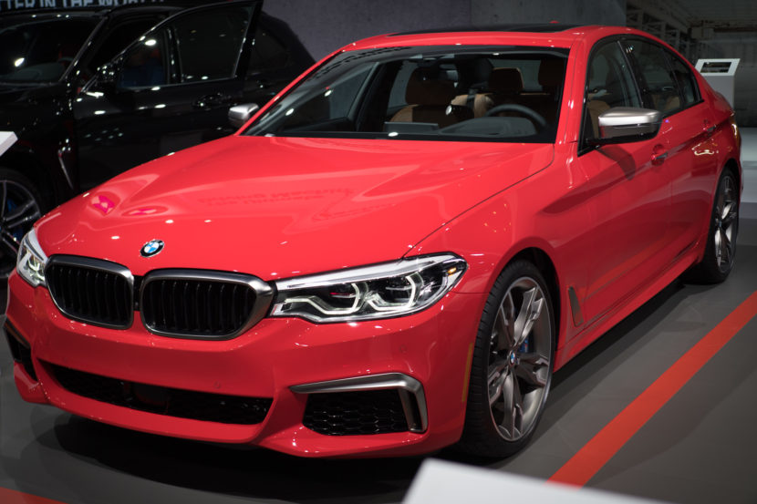BMW M550i Ferrari Red 2 830x553