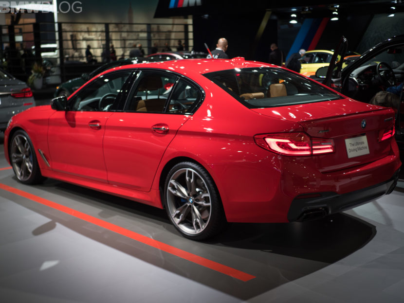 BMW M550i Ferrari Red 3 830x623