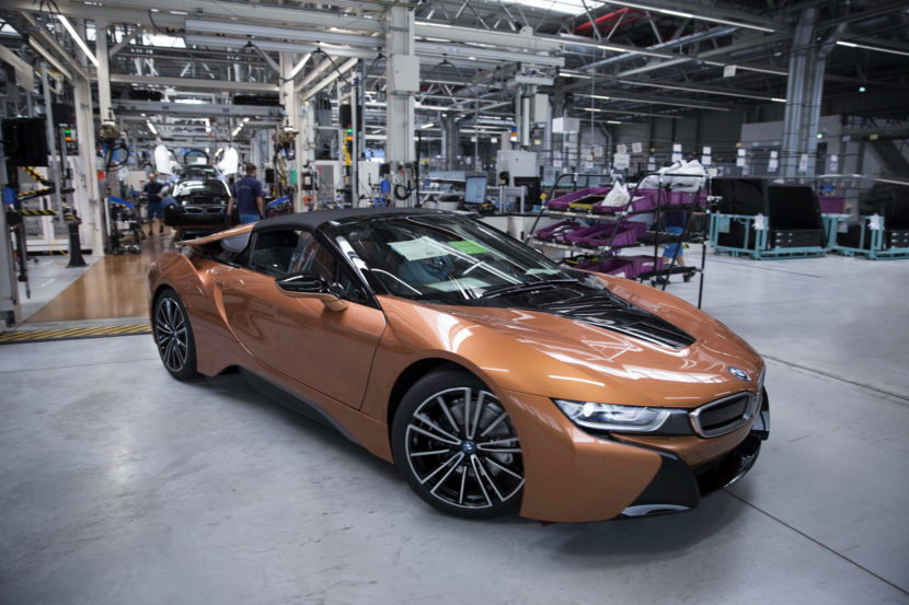 BMW i8 Roadster production 01 830x553