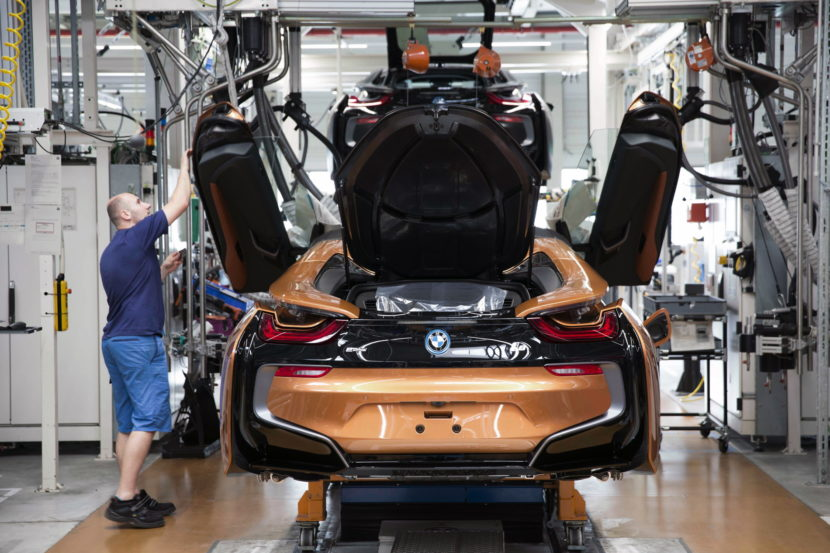 BMW i8 Roadster production 02 830x553