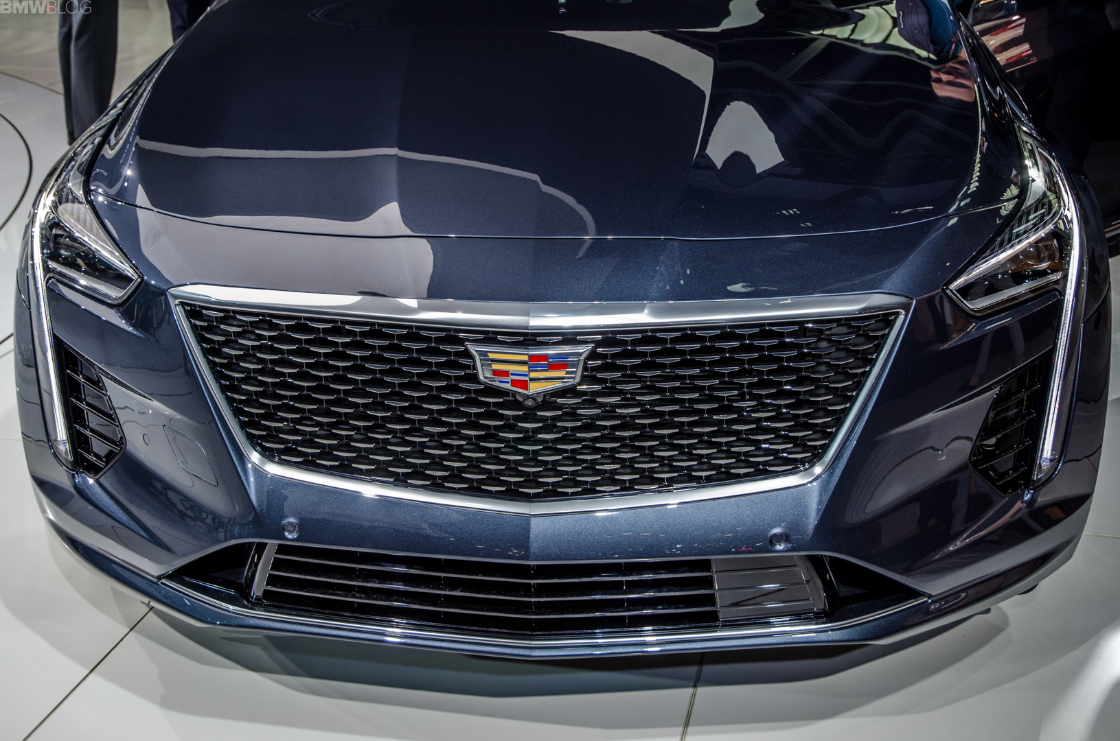 drive safety new all first earns pick news the iihs cadillac top from h
