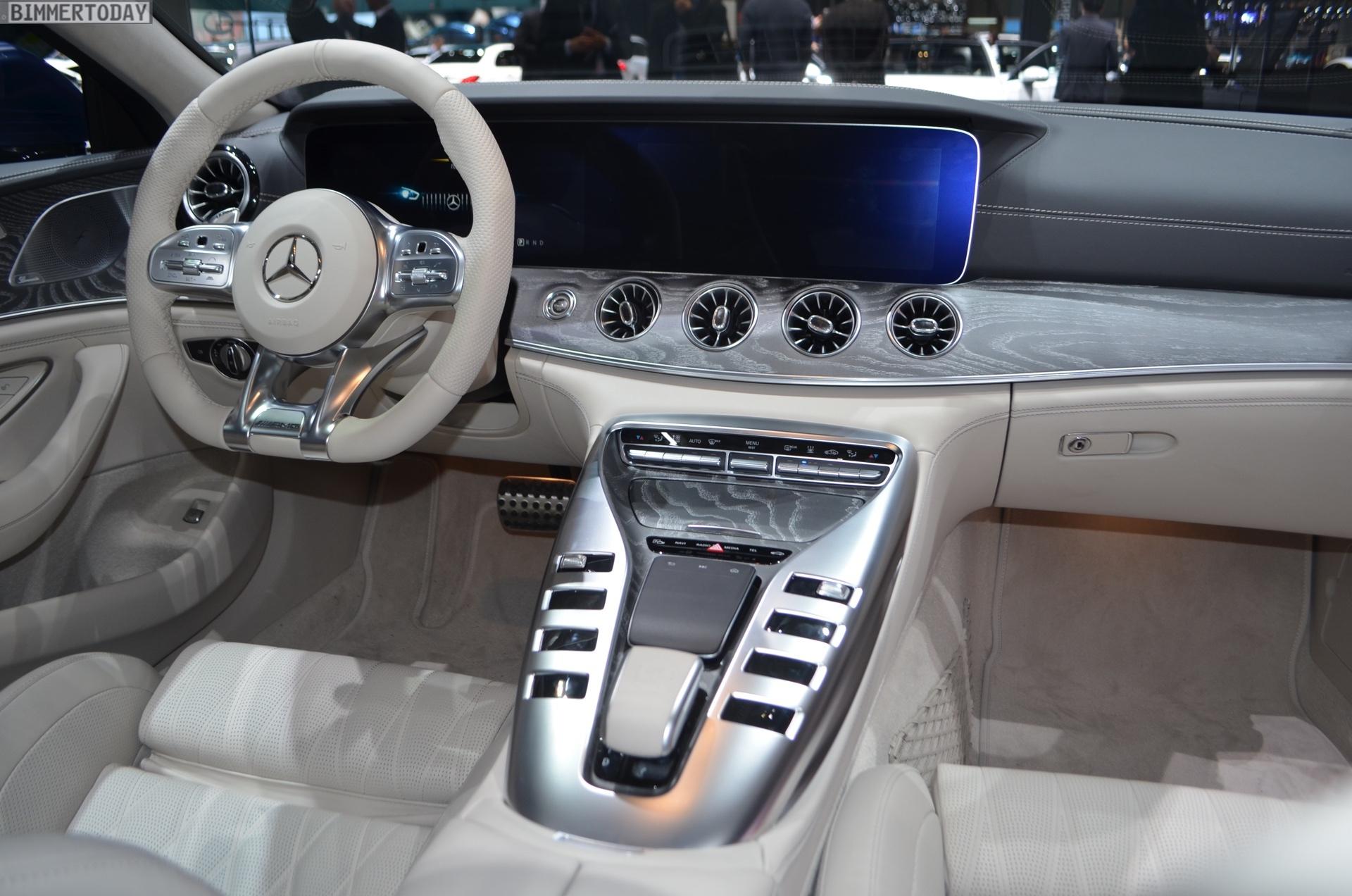 https://cdn.bmwblog.com/wp-content/uploads/2018/03/Genf-2018-Mercedes-AMG-GT-4-Tuerer-Coupe-X290-Interieur-Live-03.jpg