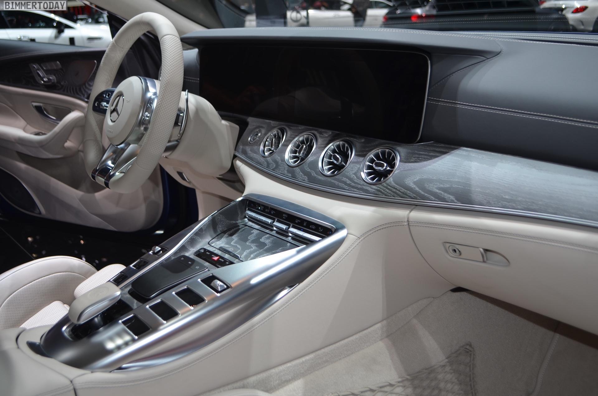 https://cdn.bmwblog.com/wp-content/uploads/2018/03/Genf-2018-Mercedes-AMG-GT-4-Tuerer-Coupe-X290-Interieur-Live-05.jpg