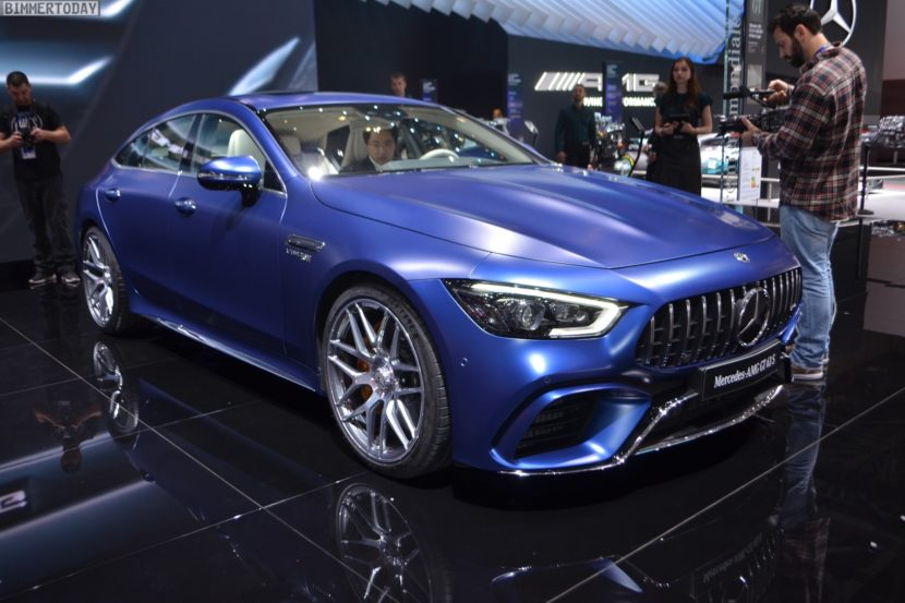 Genf 2018 Mercedes AMG GT 4 Tuerer Coupe X290 Live 03 830x553