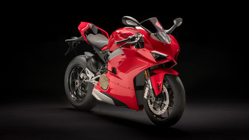 Panigale V4 MY18 Red 01 Slider Gallery 1920x1080 830x467