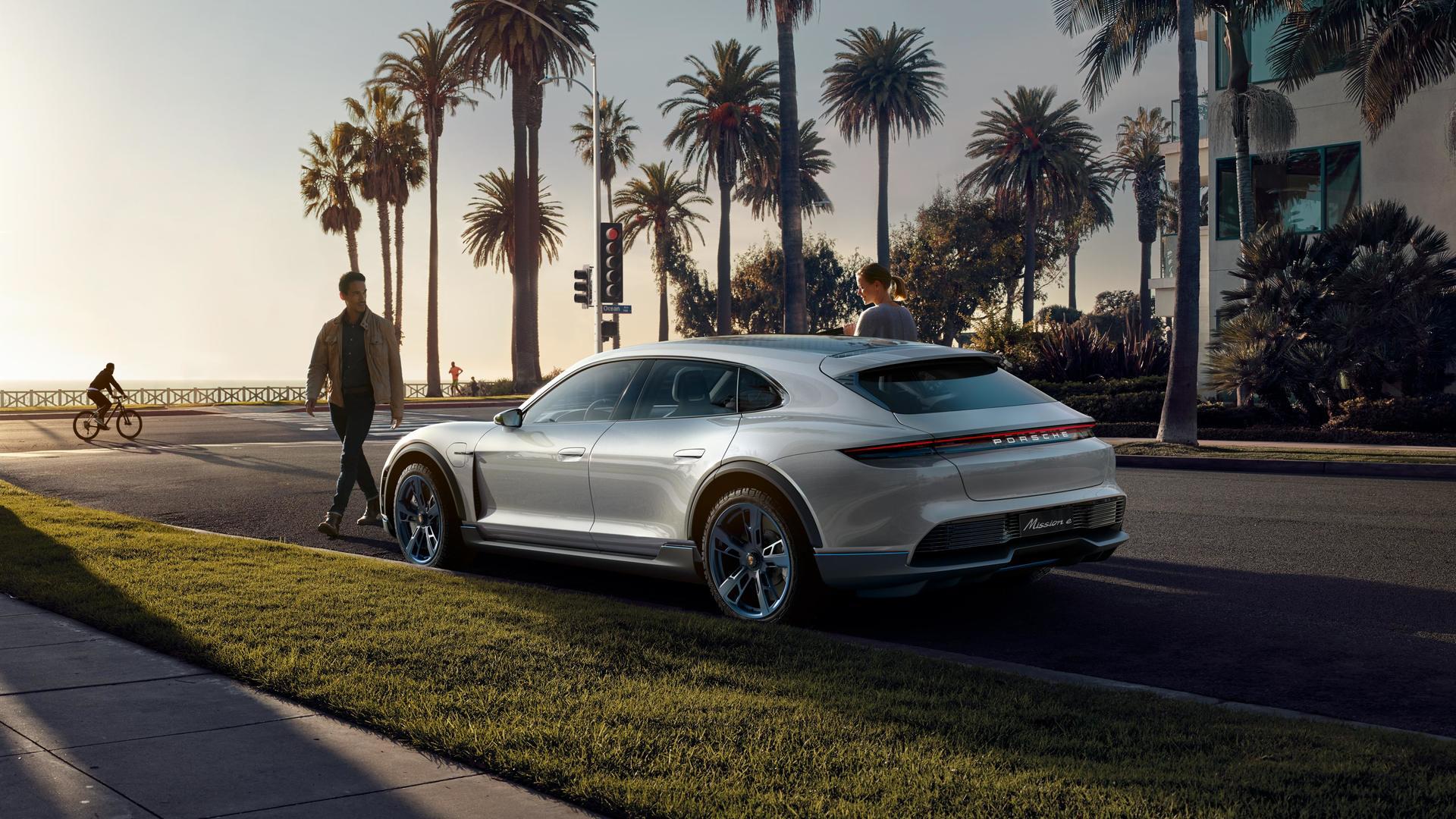 2018 Geneva Motor Show: Porsche Mission E Cross Turismo