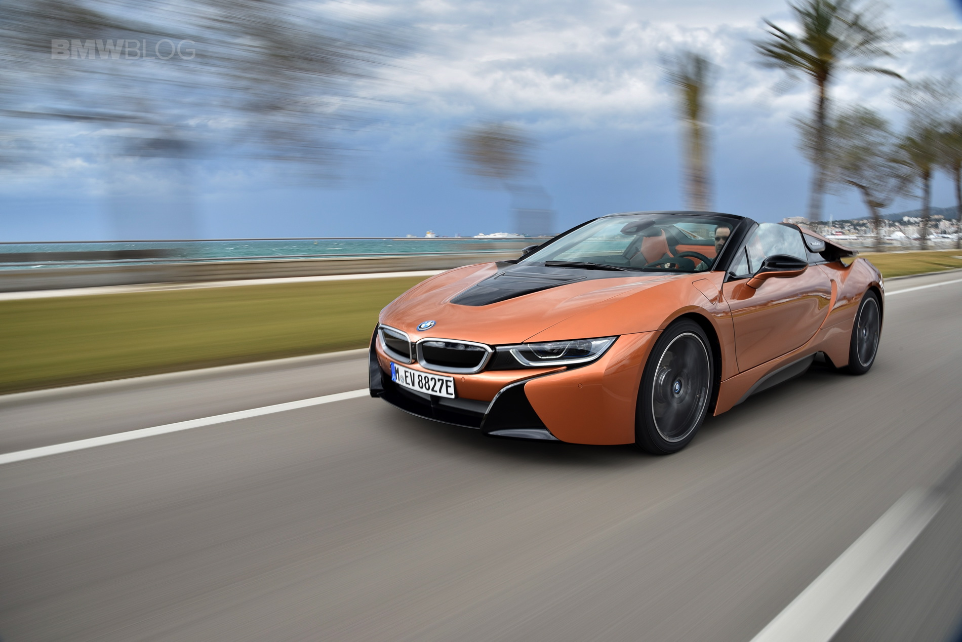 2018 BMW i8 Roadster review 15