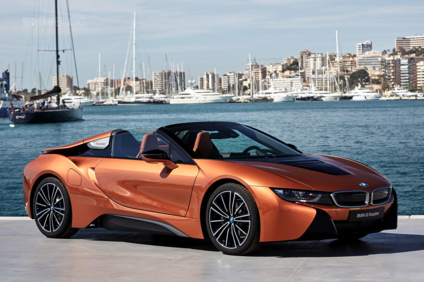 2018 BMW i8 Roadster test drive 121 830x553