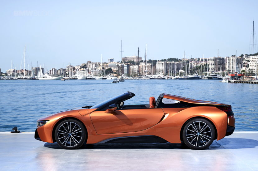 2018 BMW i8 Roadster test drive 138 830x553
