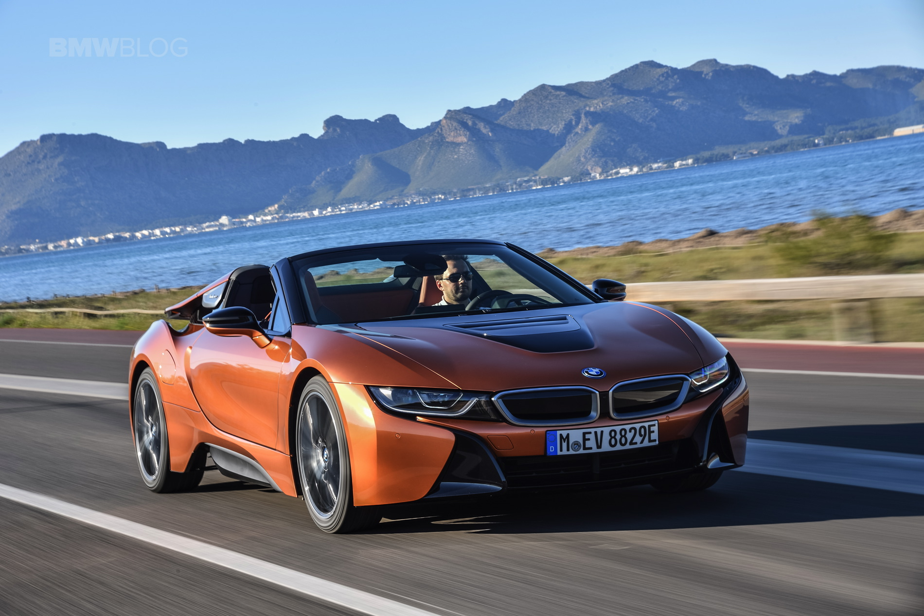 2018 BMW i8 Roadster test drive 36
