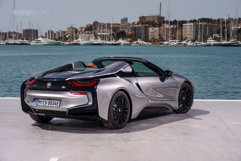 2018 BMW i8 Roadster test drive 67 830x553