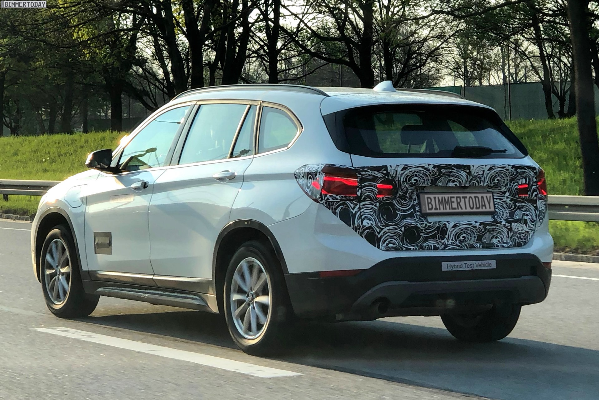 spied bmw x1 xdrive 25e plug in hybrid variant on its way. Black Bedroom Furniture Sets. Home Design Ideas