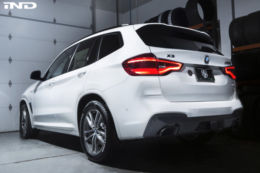 Alpine White BMW X3 M40i