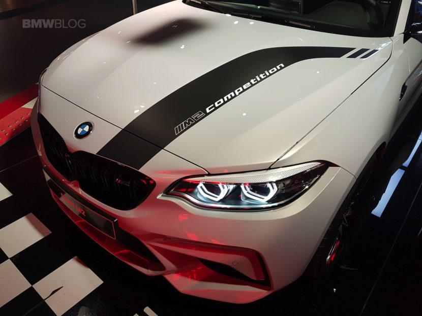 BMW M2 Competition BMW Welt 09 830x623