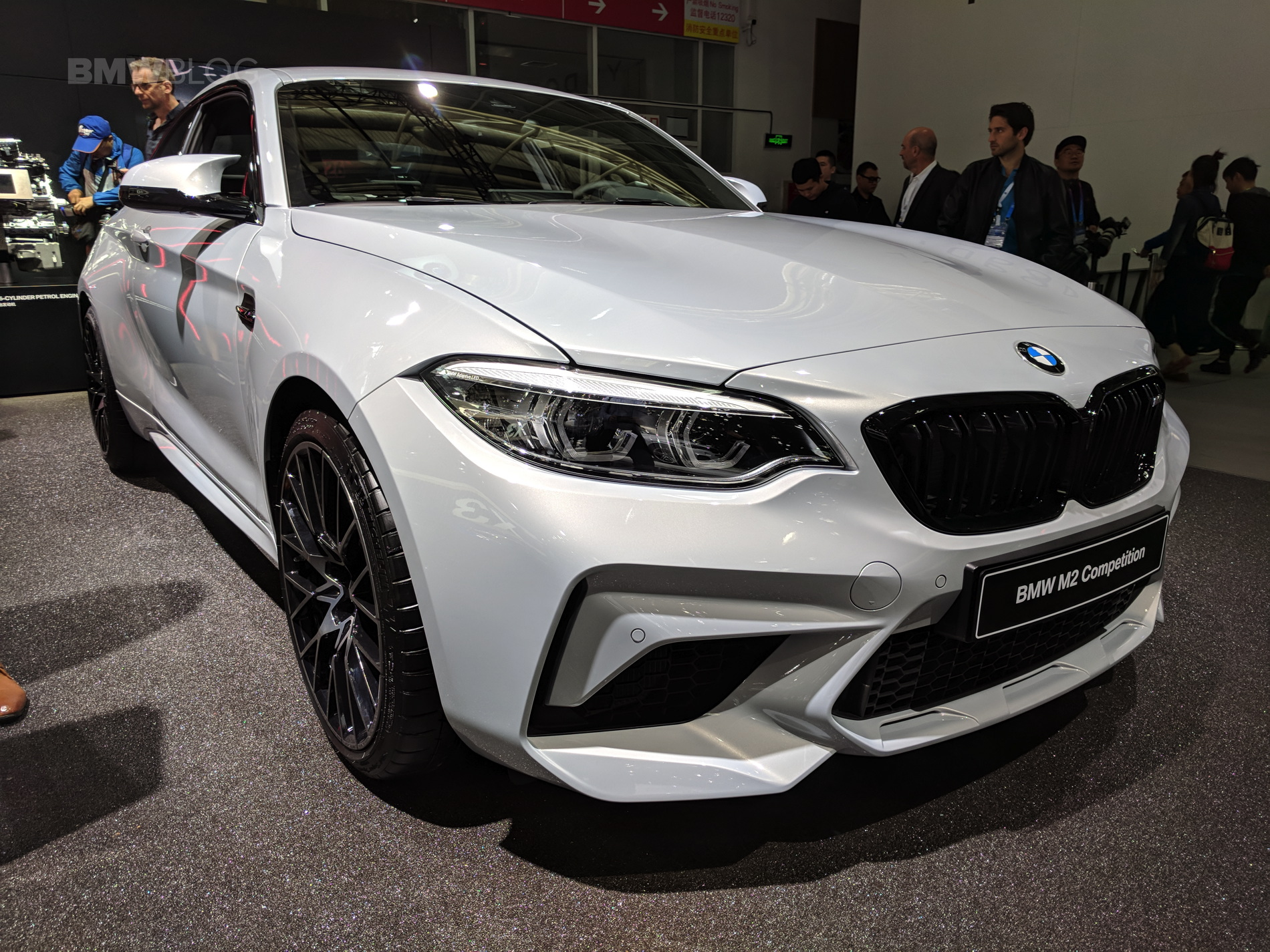 BMW M2 Competition engine photos 01
