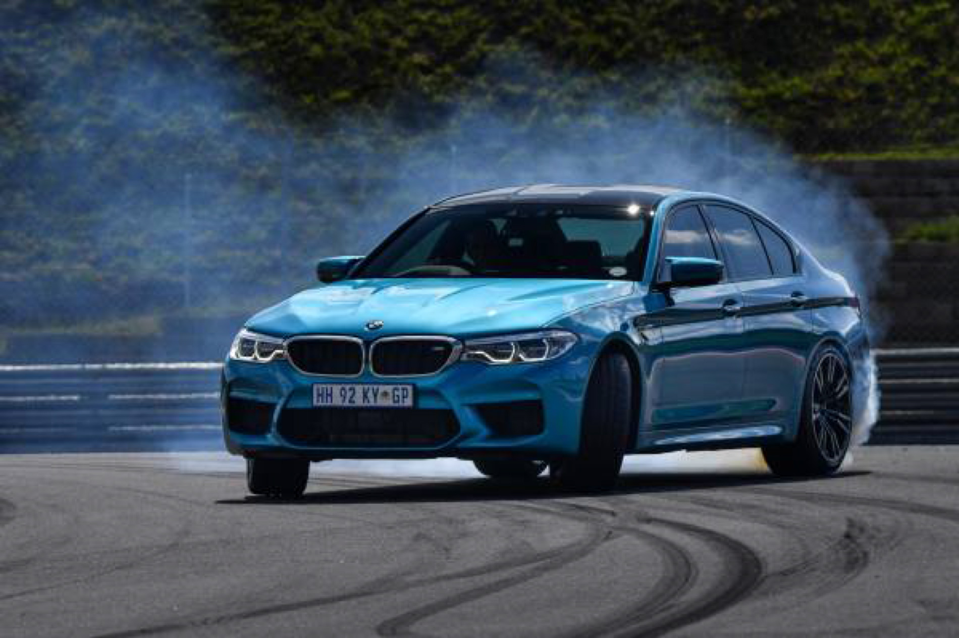 BMW M5 Snapper Rocks Blue images 10