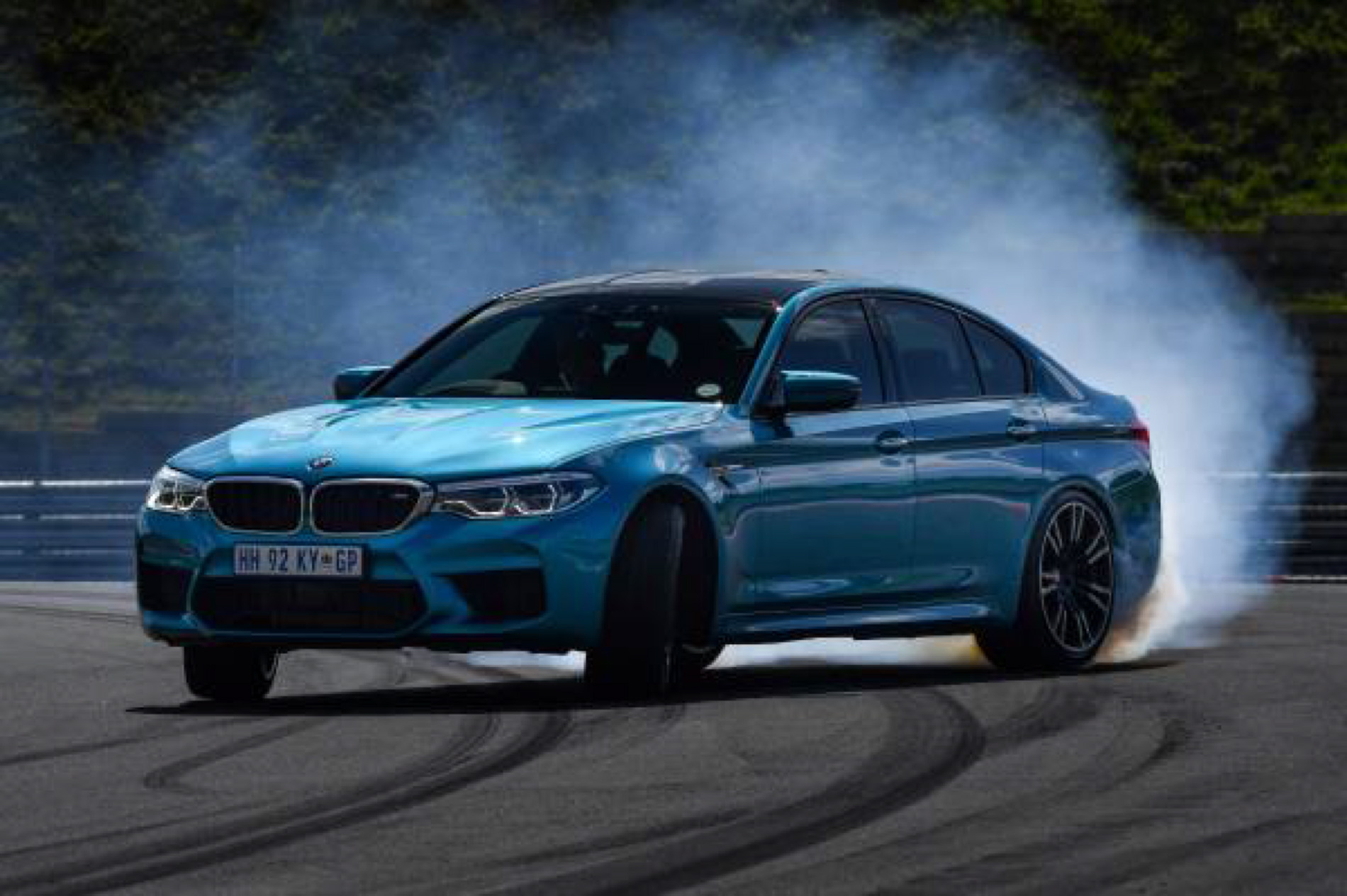 BMW M5 Snapper Rocks Blue images 11