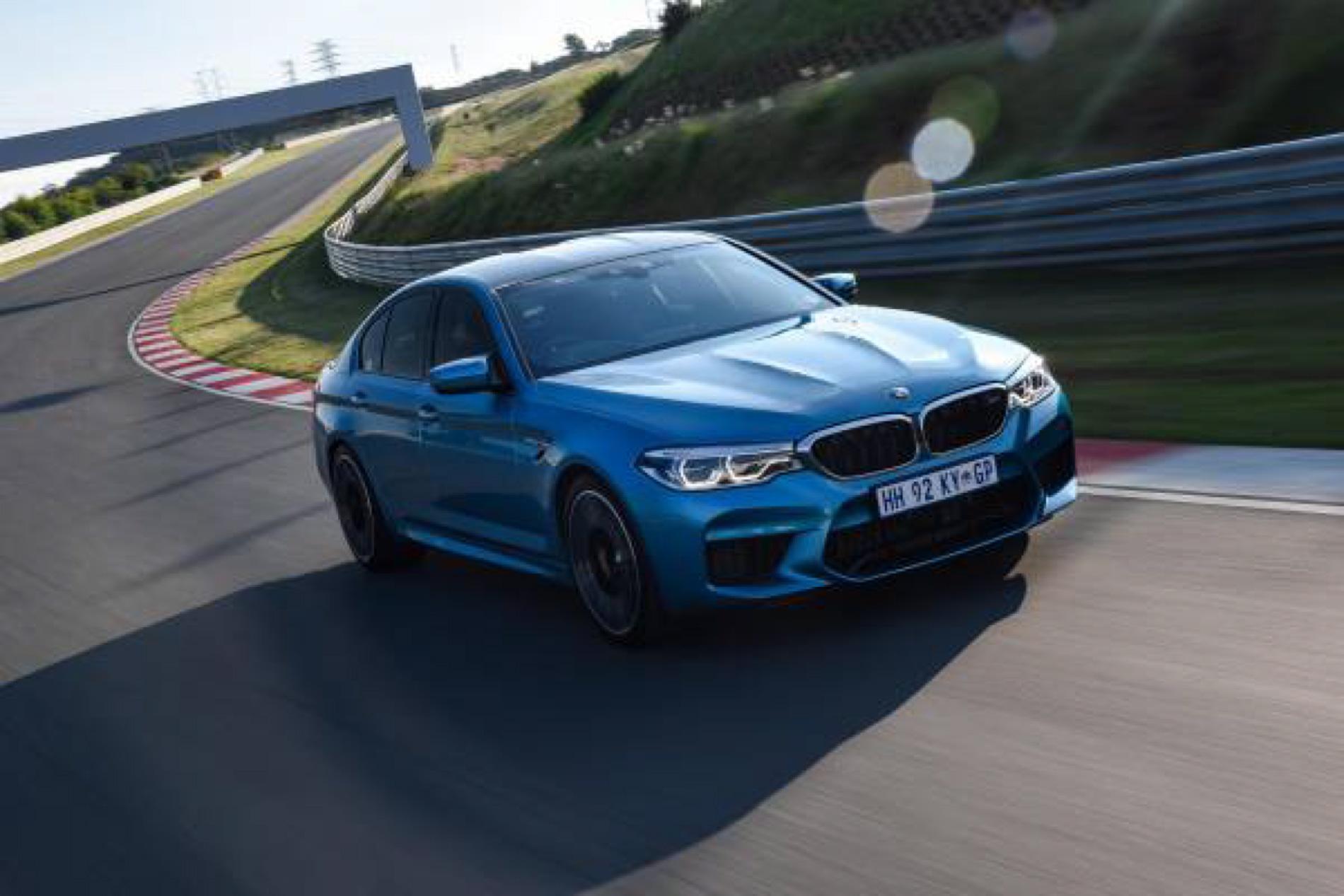 BMW M5 Snapper Rocks Blue images 18