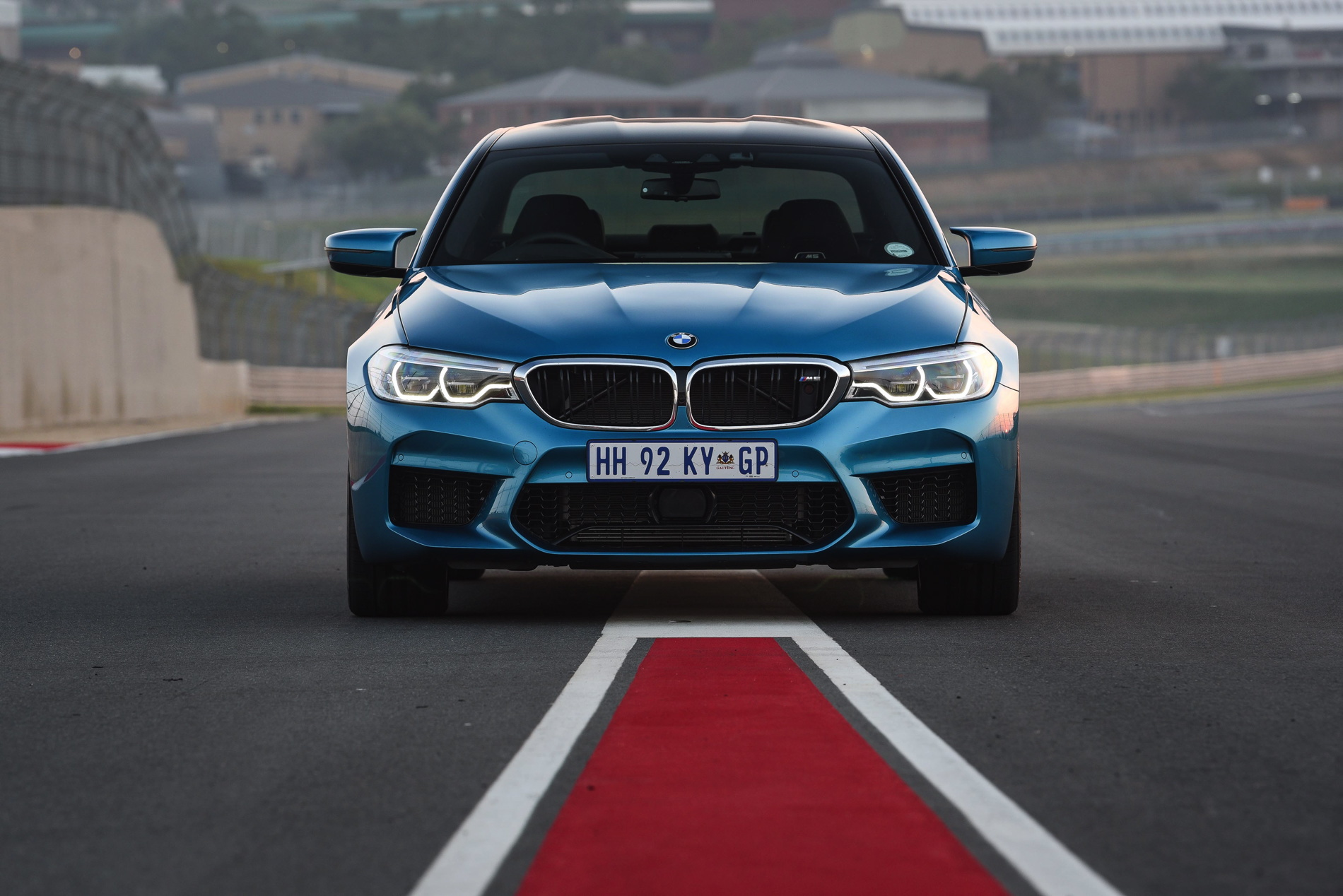 BMW M5 Snapper Rocks Blue images 25