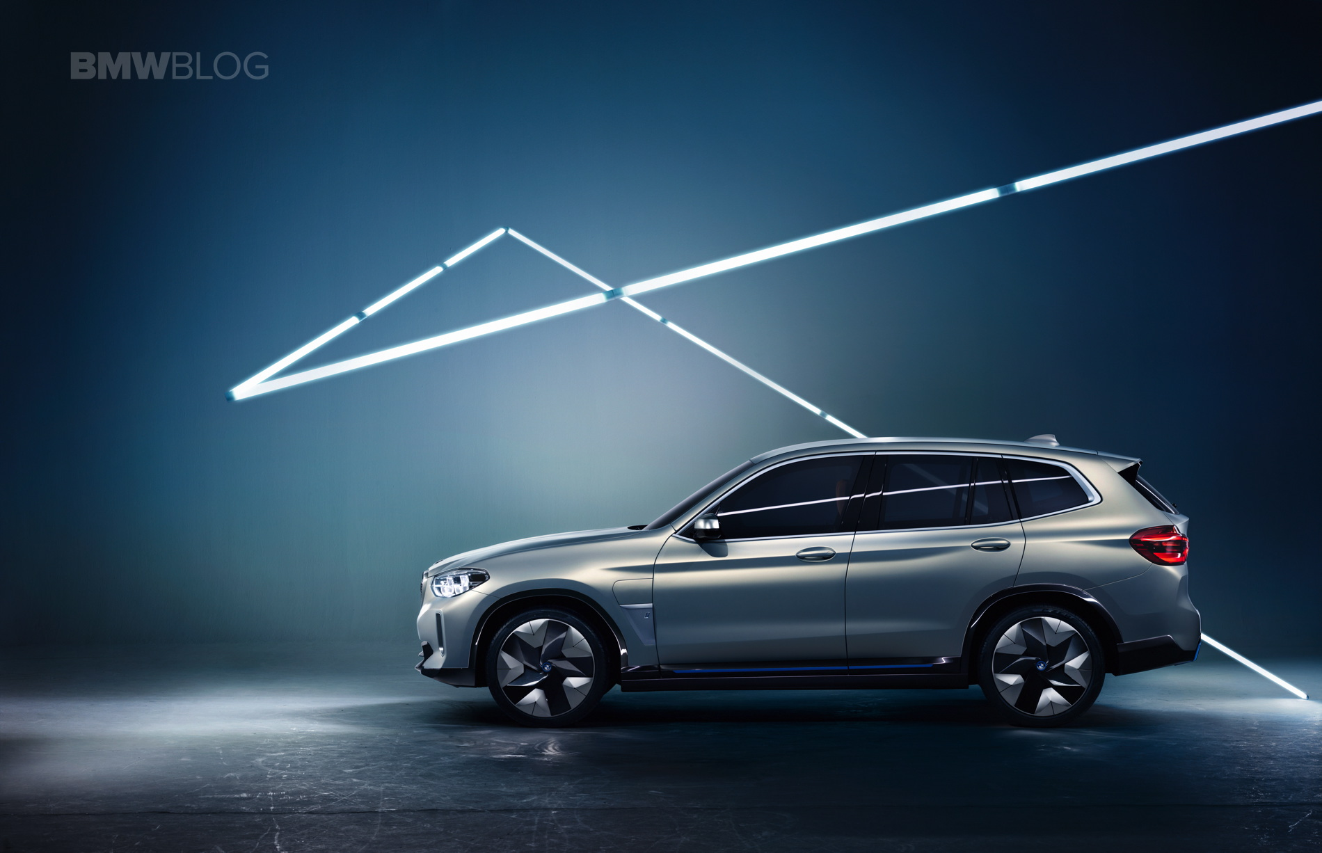 BMW iX3 photos 13