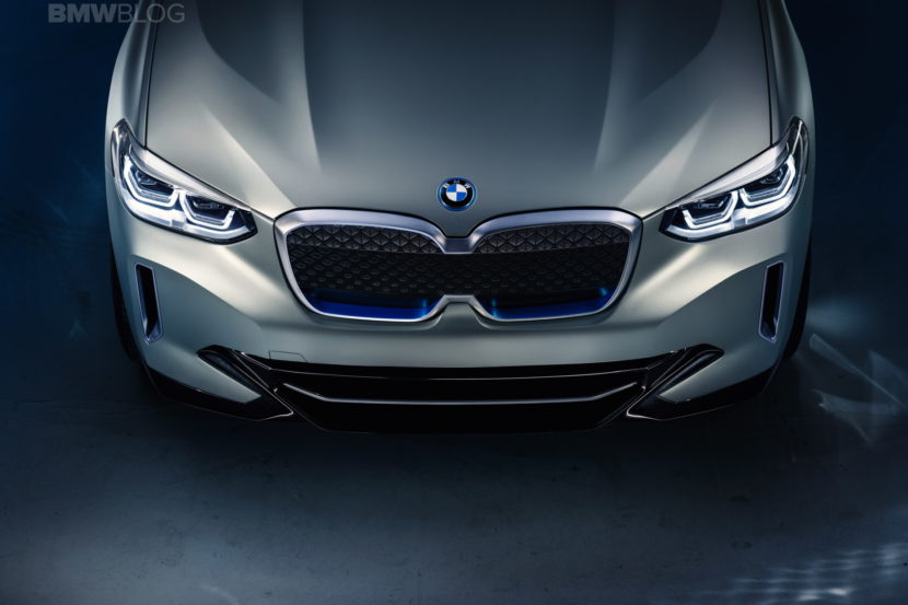 BMW iX3 photos 18 830x553
