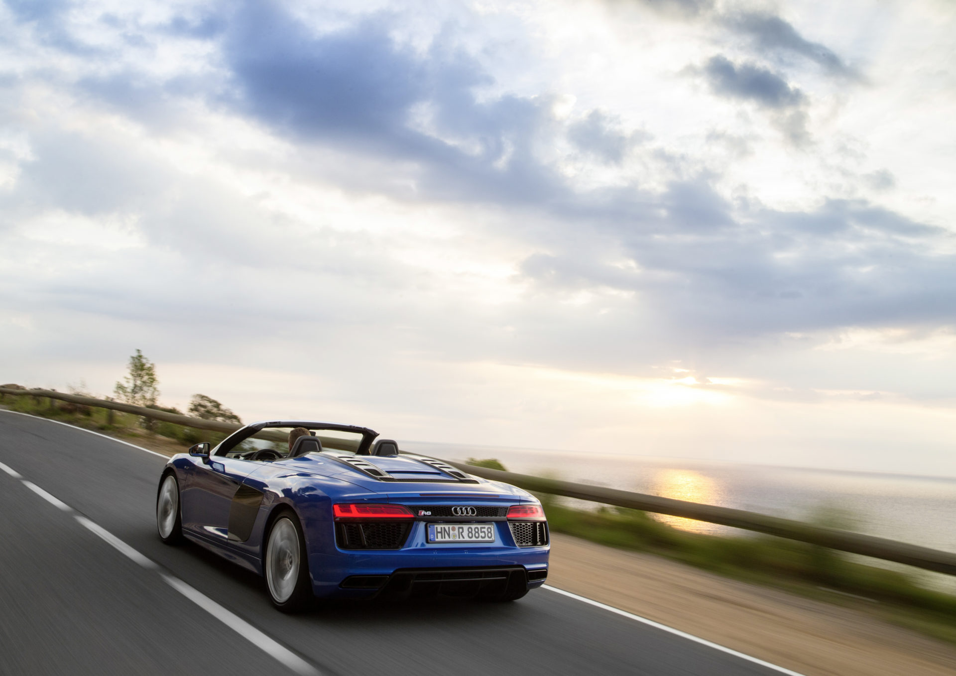 Which To Buy Bmw I8 Roadster Or Audi R8 V10 Spyder