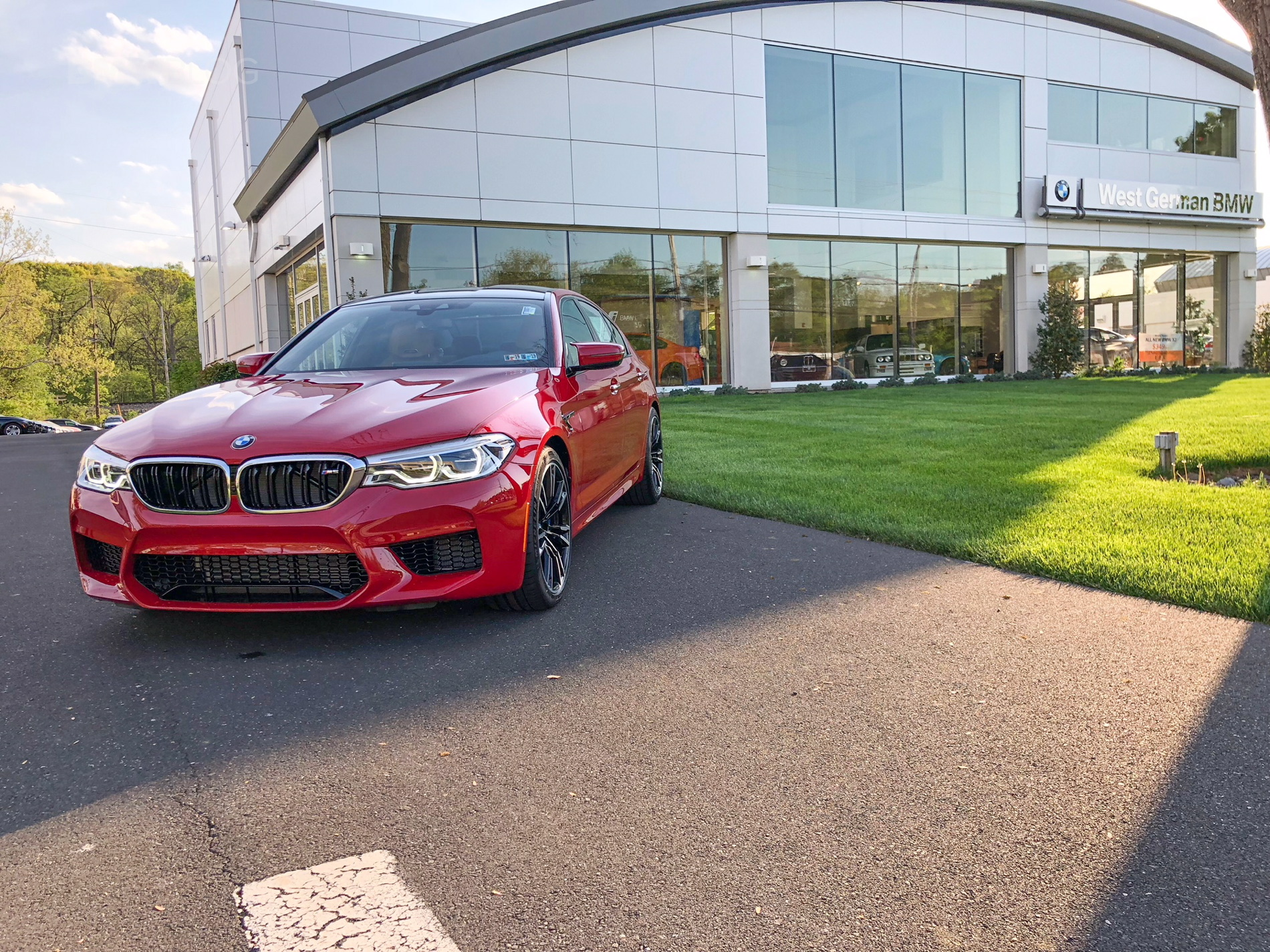 BMW F90 M5 Imola Red 03