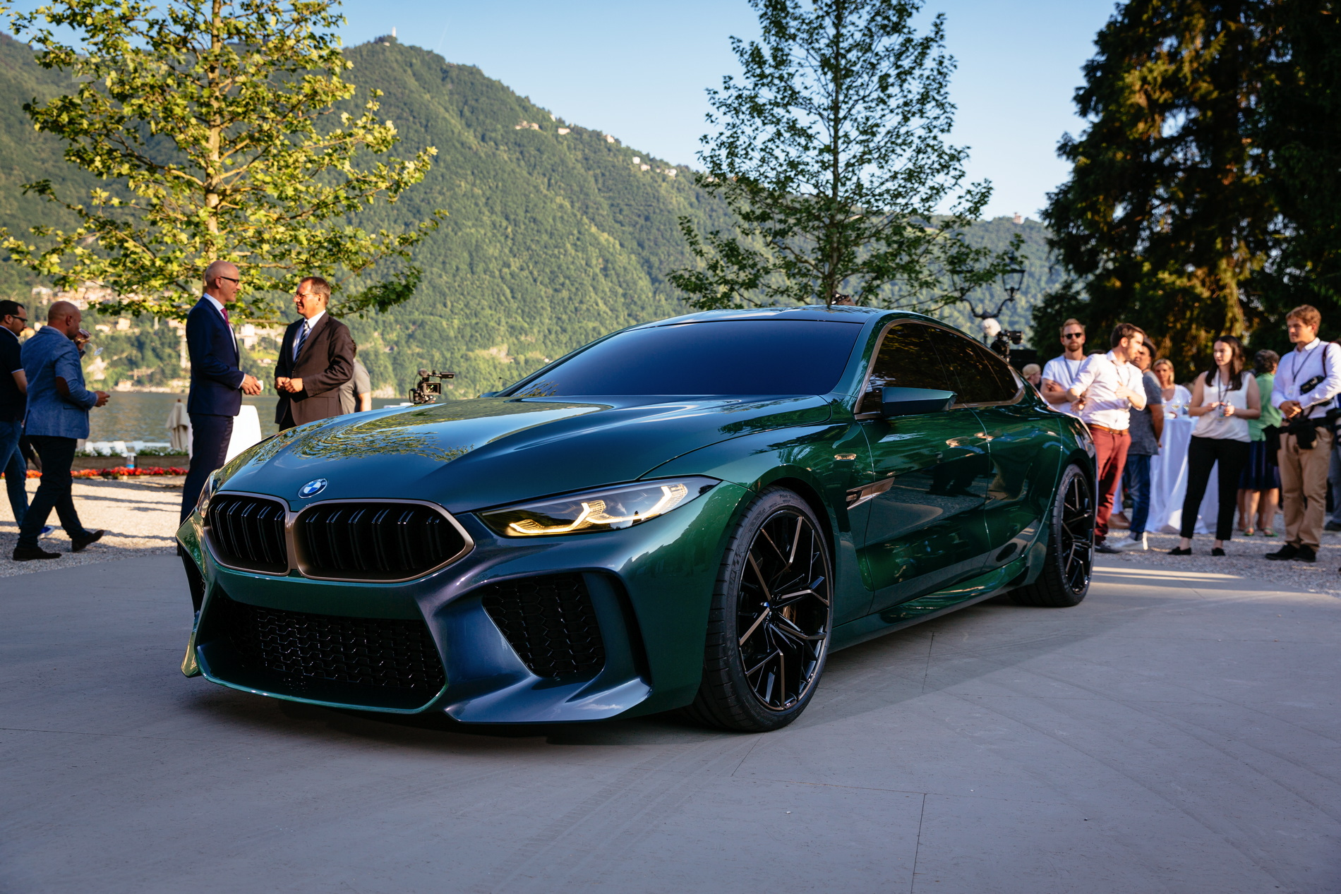 video the bmw m8 gran coupe concept at villa d 39 este 2018. Black Bedroom Furniture Sets. Home Design Ideas