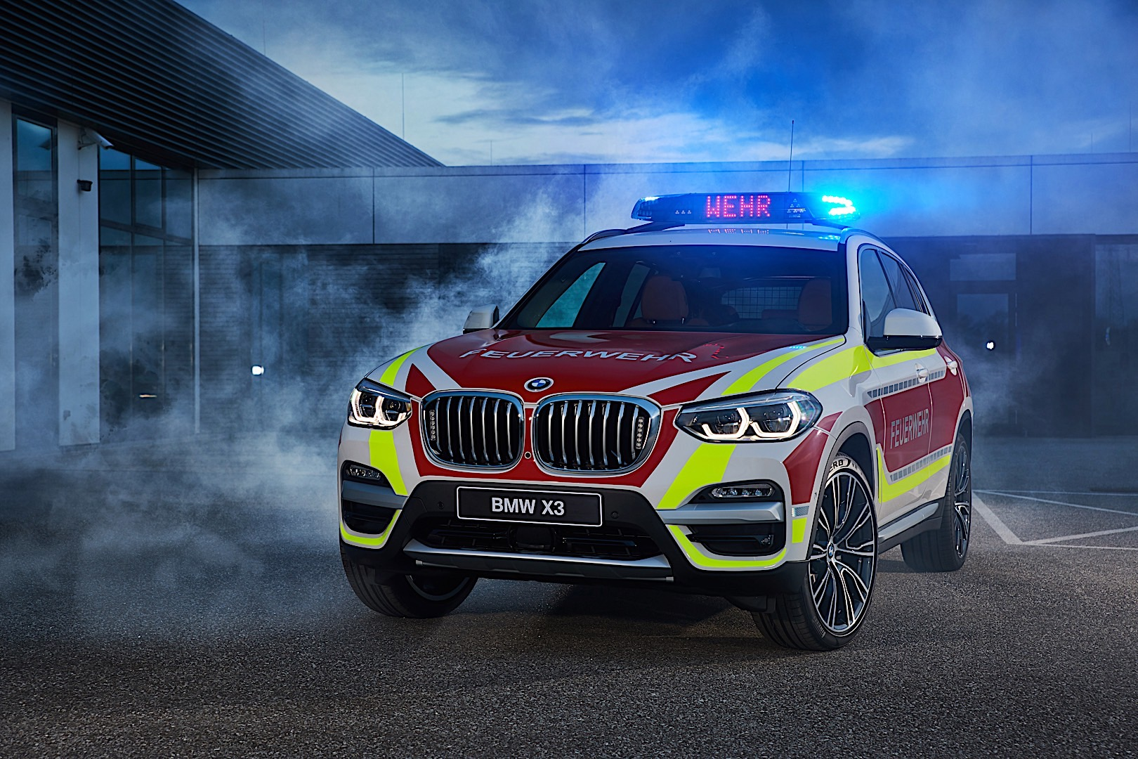 BMW X3 Emergency VehicleP90304783 highRes
