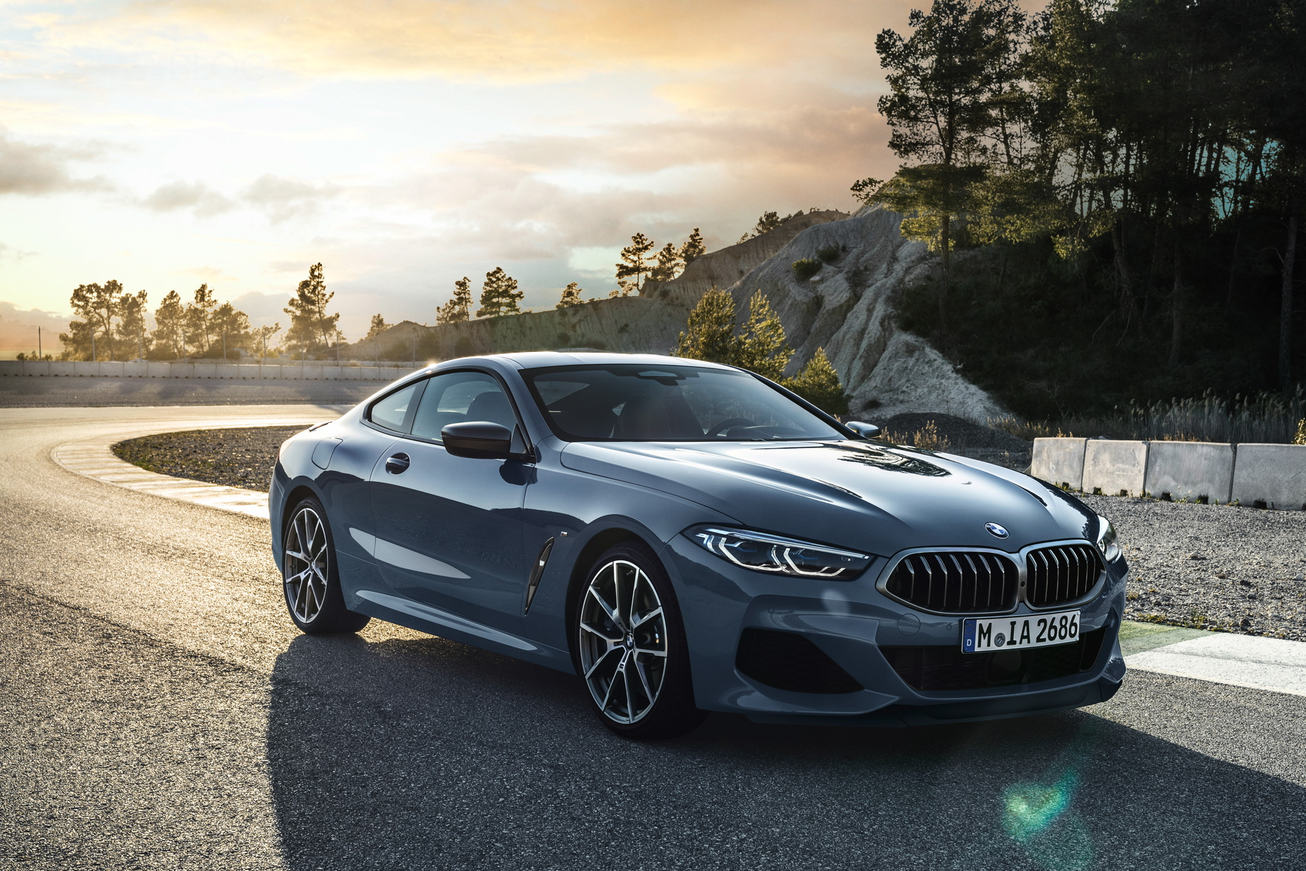 WORLD PREMIERE: BMW 8 Series — Making a Comeback