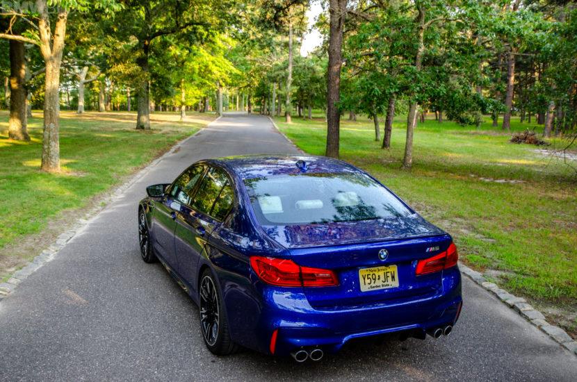 BMW M5 8 830x550