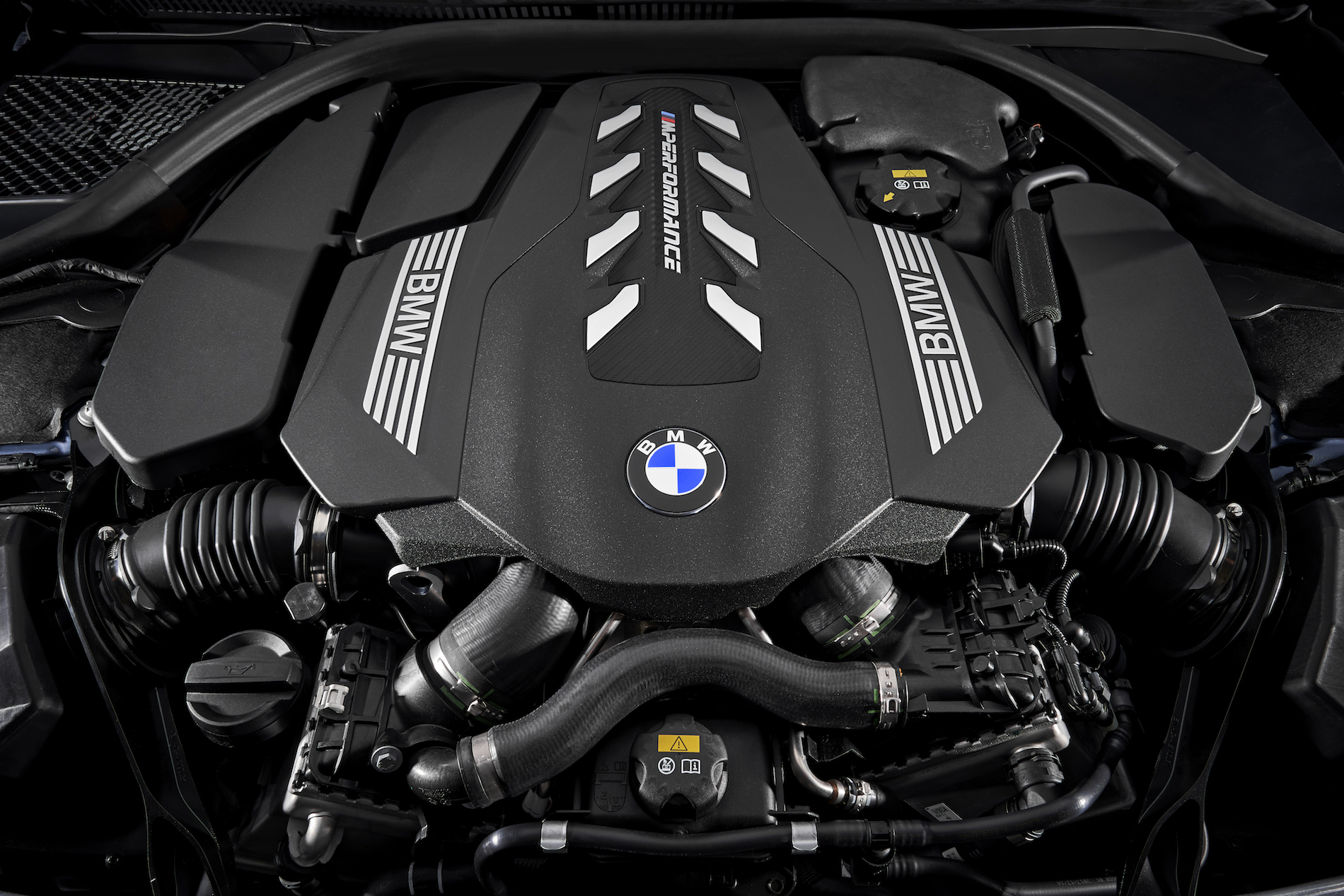 BMW M850i engine