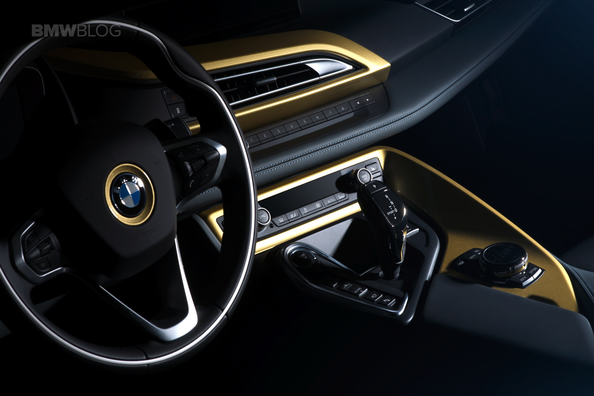 Bmw I3 And I8 Starlight Edition Shines In A 24 Carat Gold Dust