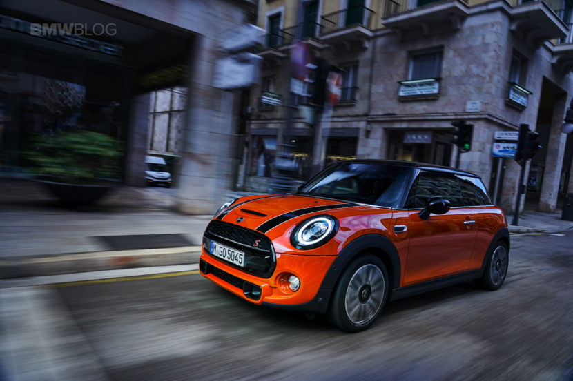 MINI Cooper 3 door facelift test drive 101 830x553