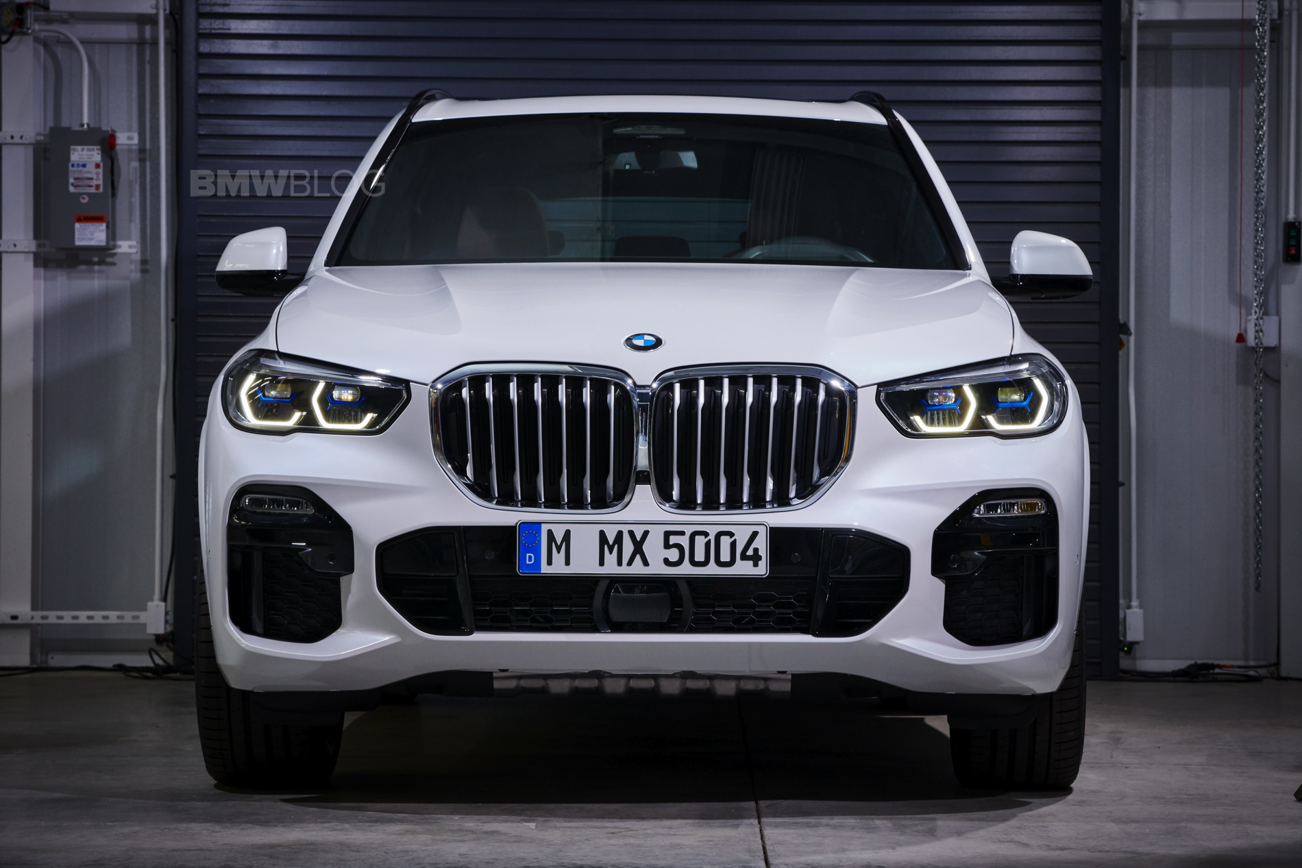 New BMW X5 real life images 06
