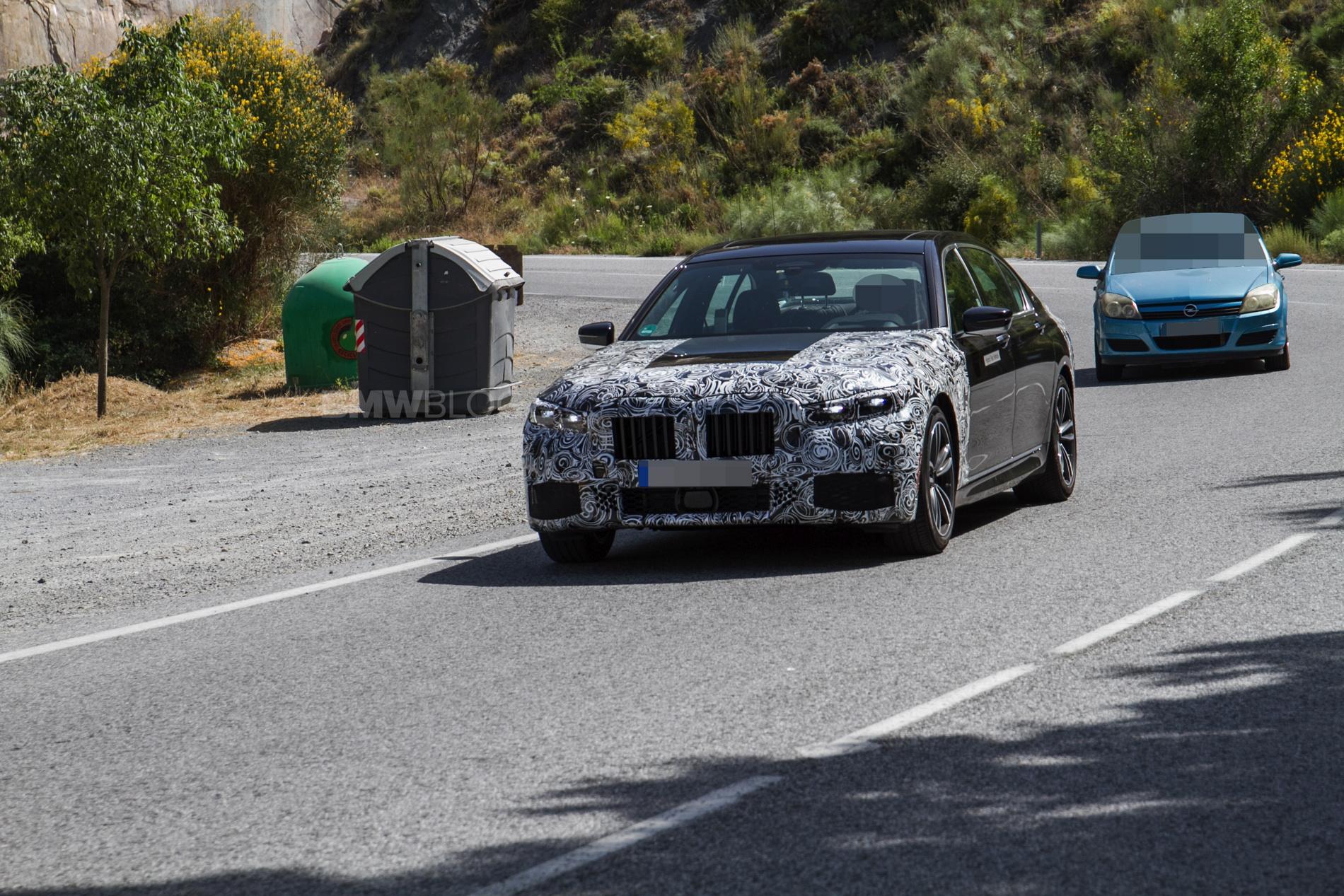 2019 BMW 745e hybrid 01