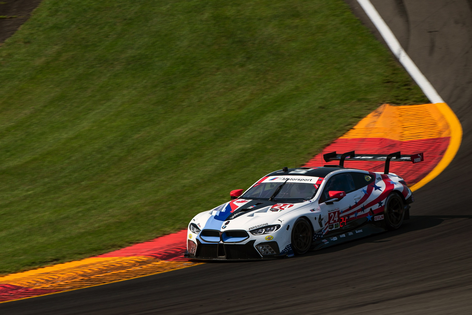 BMW M8 GTE Glen 01