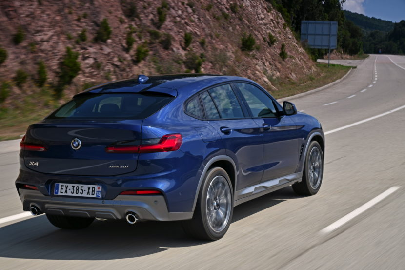 BMW X4 Phytonic Blue 45 830x553