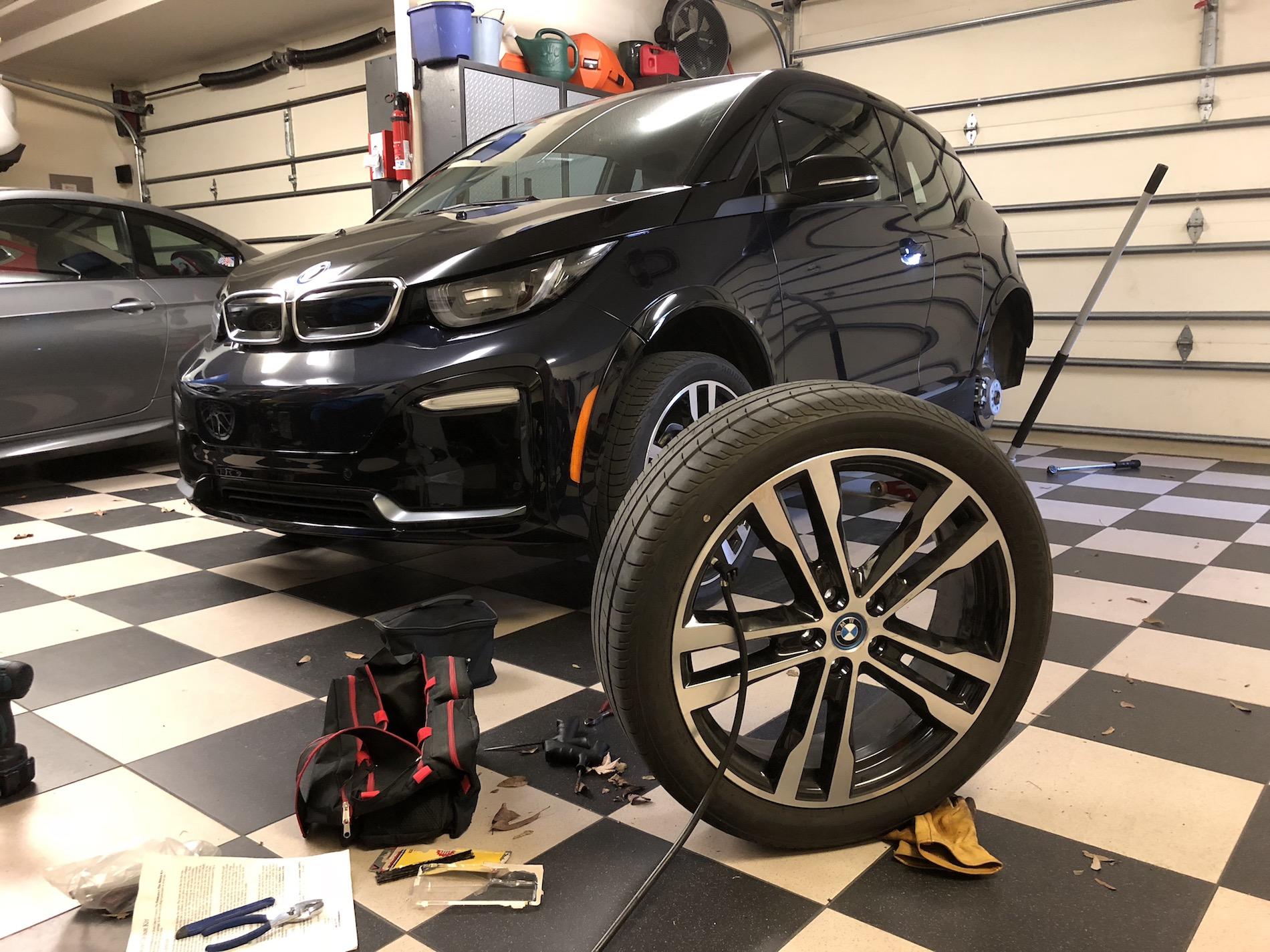 BMW i3 flat tire fix 10