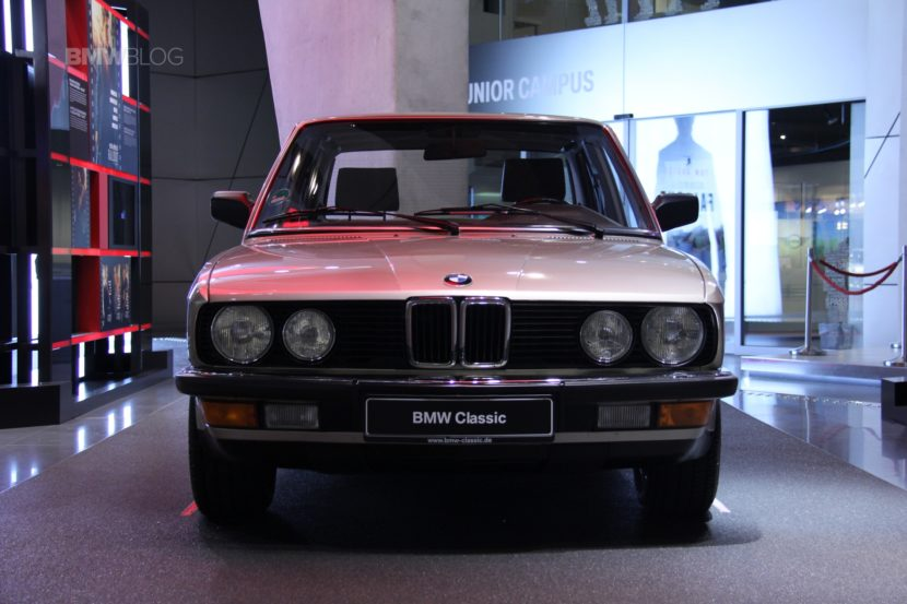 BMW M5 Mission Impossible BMW Welt9 830x553