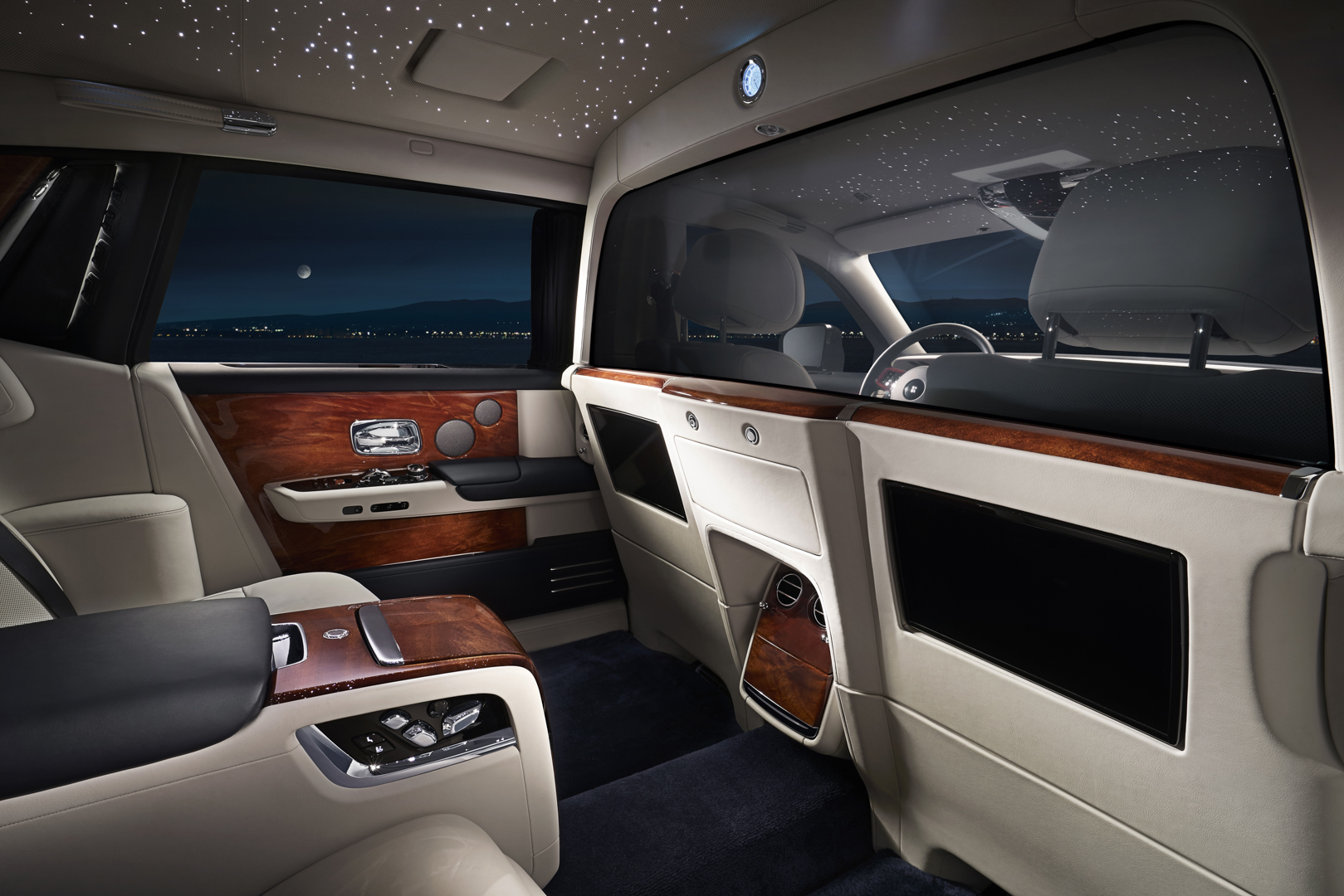 Rolls Royce Phantom Ewb Gets A Privacy Suite For Total
