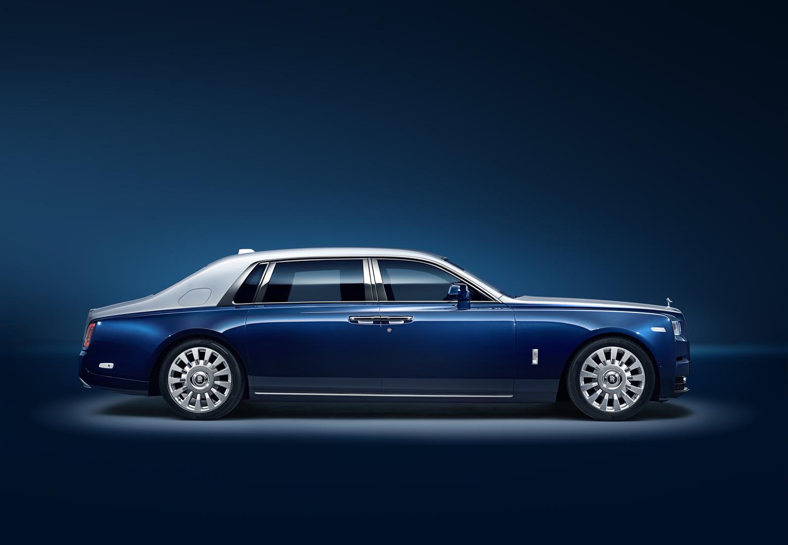 Video Carwow Tests The Rolls Royce Phantom Viii