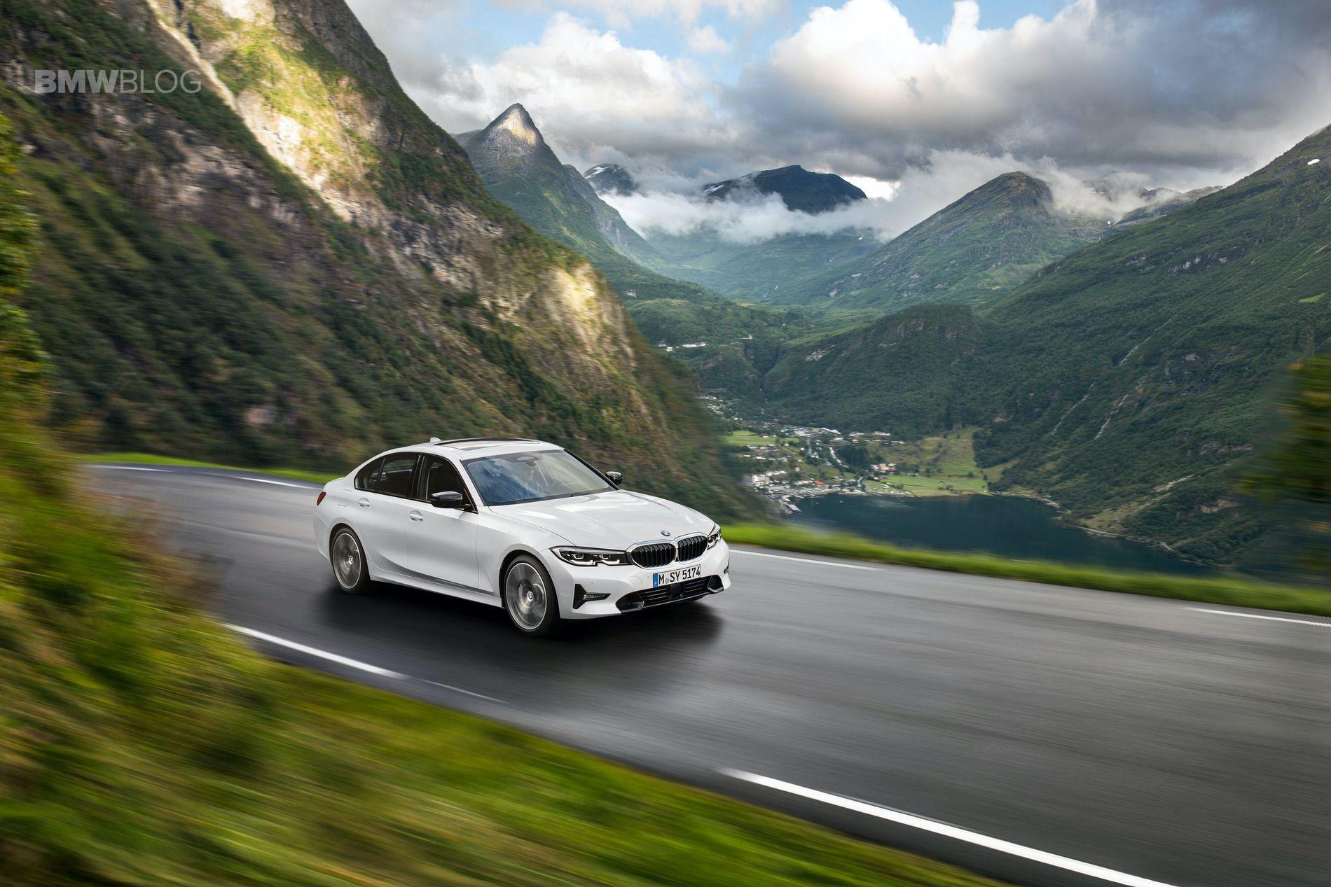 2019 BMW 330i Sport Line 01